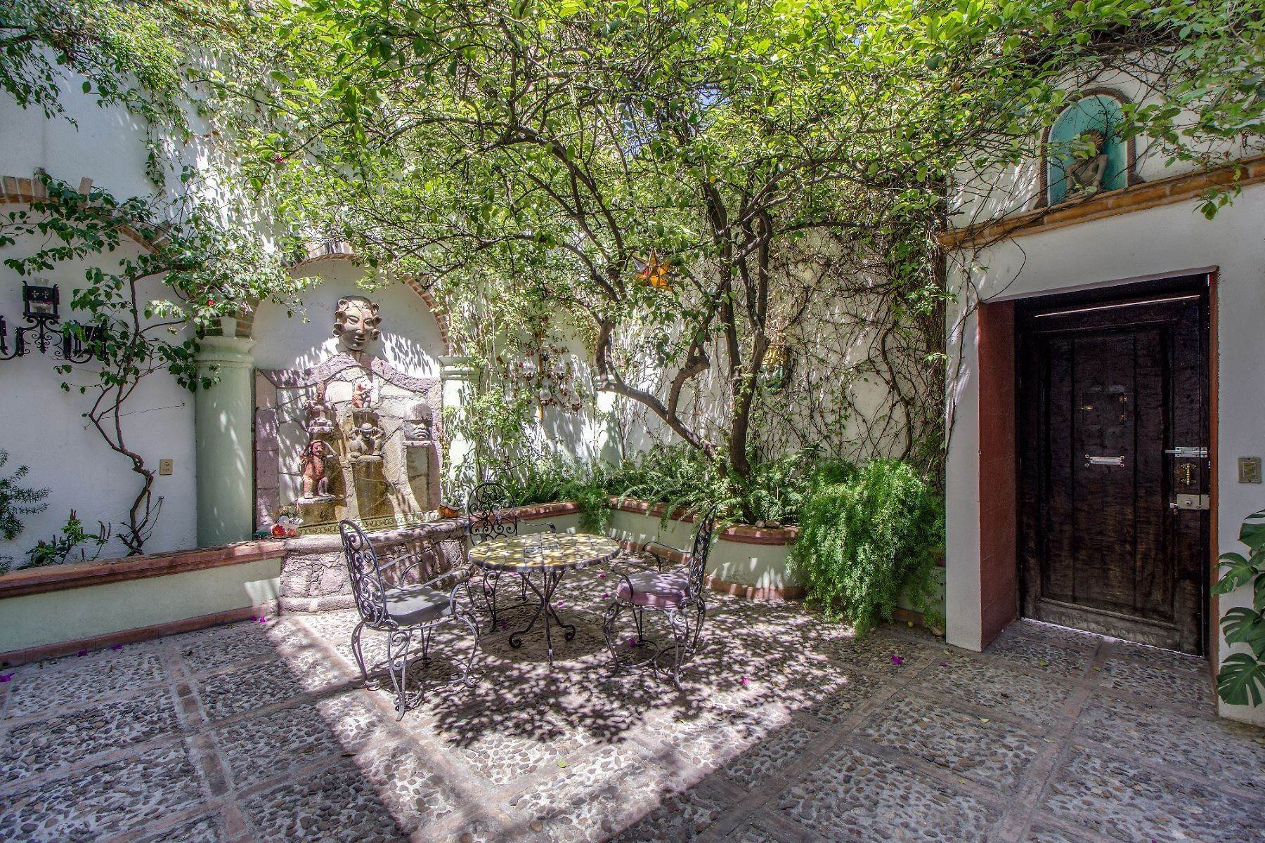 2. Single Family Homes for Sale at Casa Christina San Antonio, San Miguel De Allende, Guanajuato Mexico