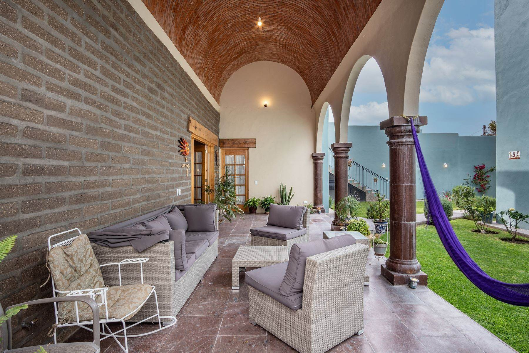 7. Single Family Homes for Sale at Casa Jardin Fray Juan de San Miguel San Miguel De Allende, Guanajuato 37790 Mexico