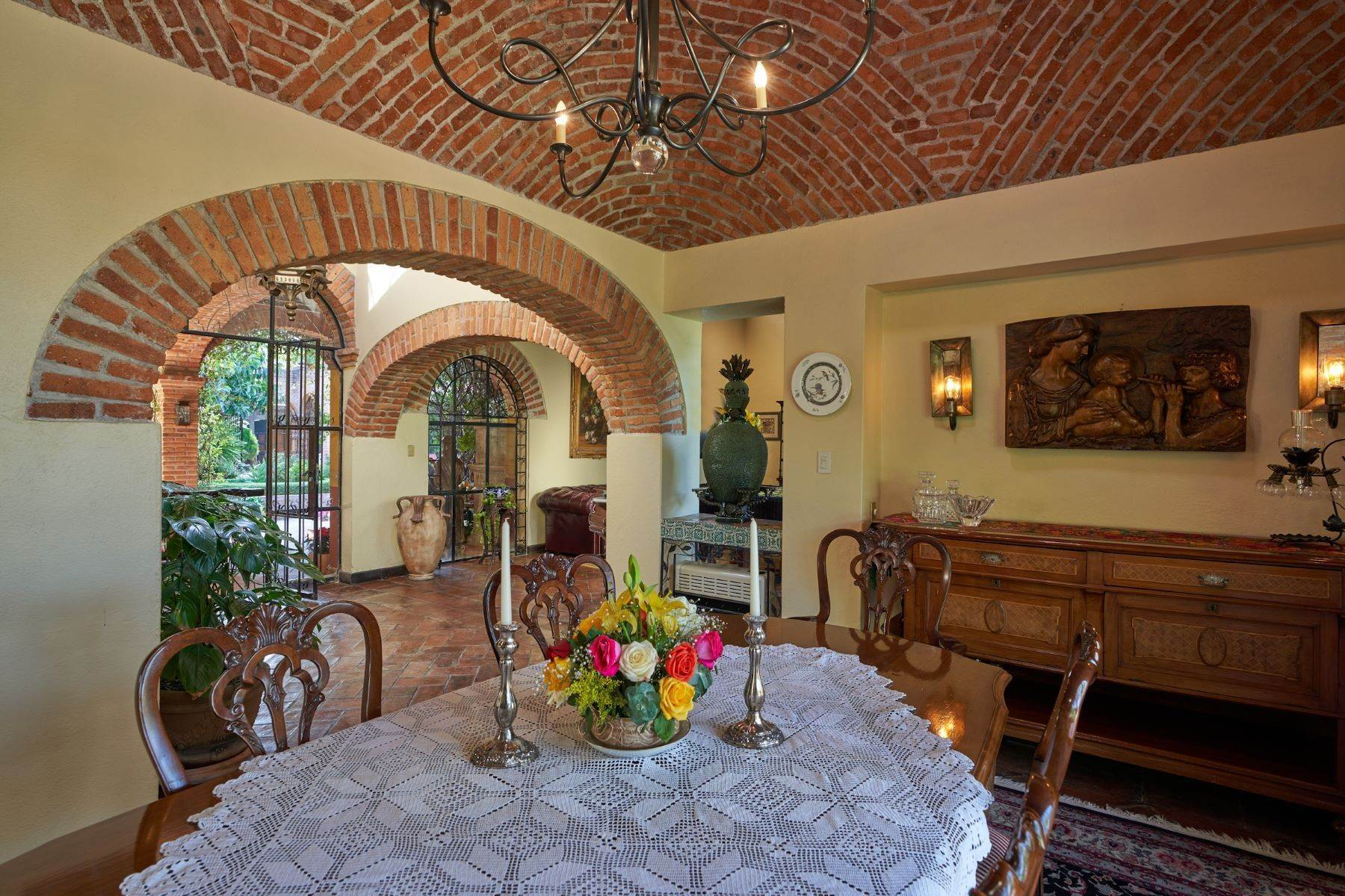 31. Single Family Homes for Sale at Casa de la Luz San Miguel De Allende, Guanajuato 37700 Mexico