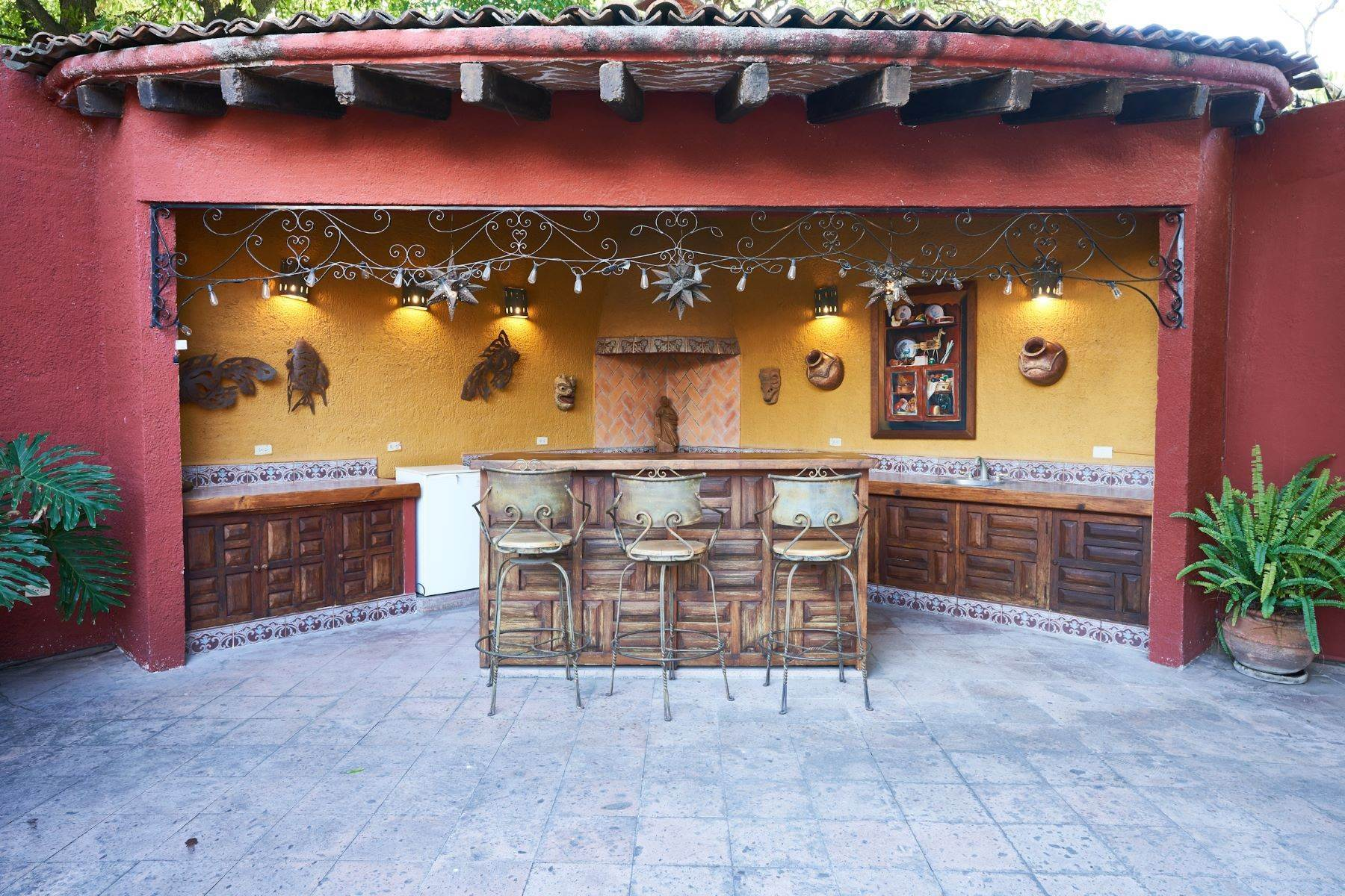 9. Single Family Homes for Sale at Casa de la Luz San Miguel De Allende, Guanajuato 37700 Mexico