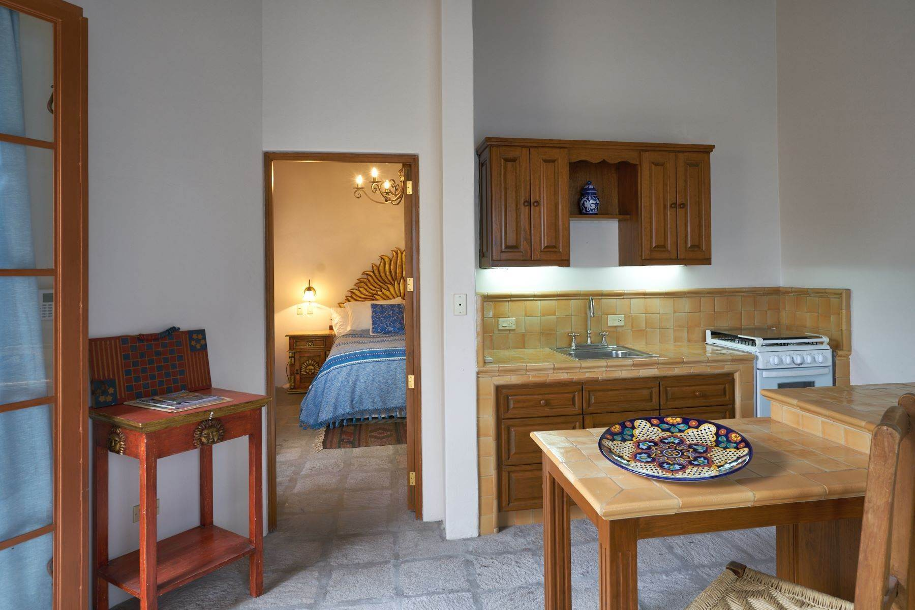 30. Single Family Homes for Sale at Casa Celeste Camino Real a Xichu #35 San Miguel De Allende, Guanajuato 37777 Mexico