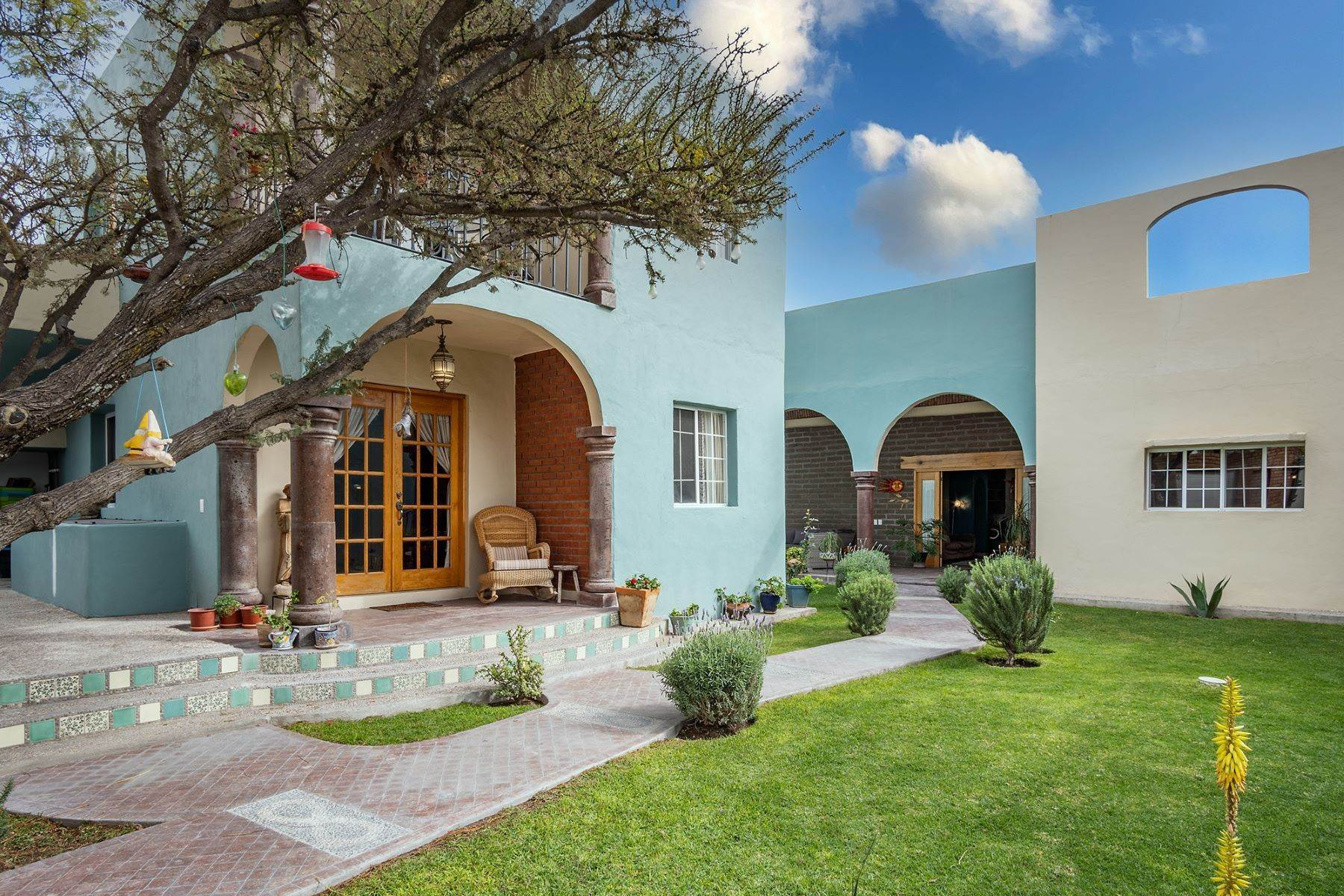 2. Single Family Homes for Sale at Casa Jardin Fray Juan de San Miguel San Miguel De Allende, Guanajuato 37790 Mexico