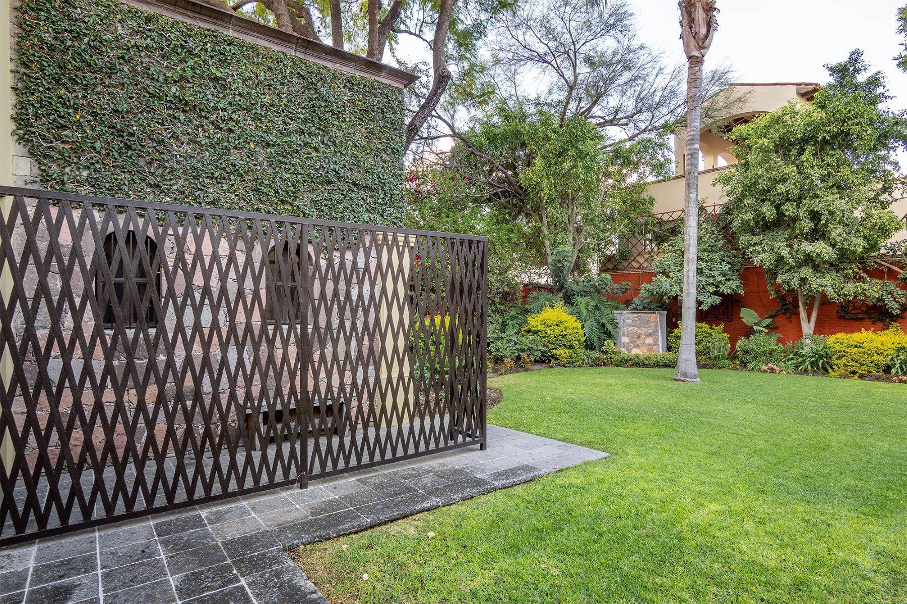 12. Single Family Homes for Sale at Casa William Gracia 9 San Miguel De Allende, Guanajuato 37700 Mexico