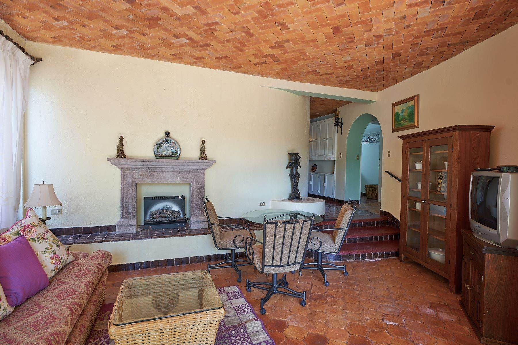30. Single Family Homes for Sale at Faroles 10 San Miguel De Allende, Guanajuato 37740 Mexico