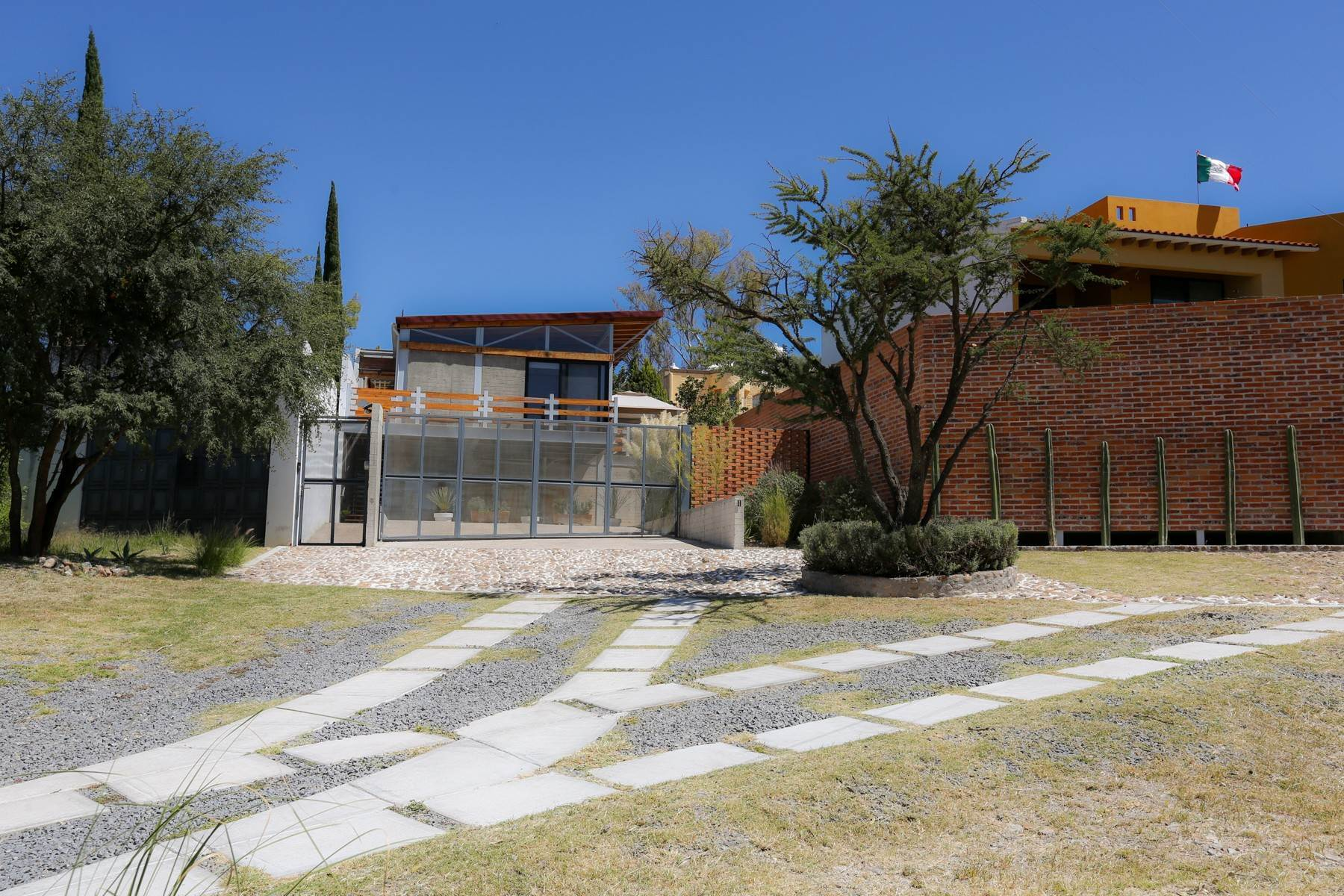 2. Single Family Homes for Sale at Casa Bicocca Calle Carreta 11 San Miguel De Allende, Guanajuato 37790 Mexico