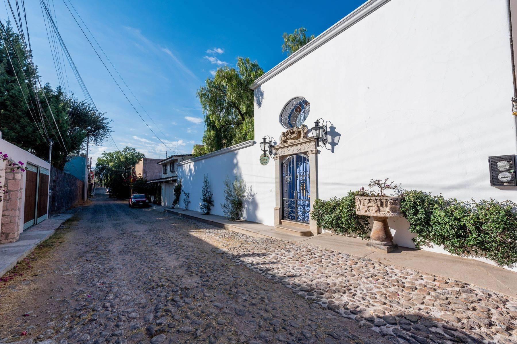 48. Single Family Homes for Sale at Casa Mi Besito Atascadero, San Miguel De Allende, Guanajuato Mexico