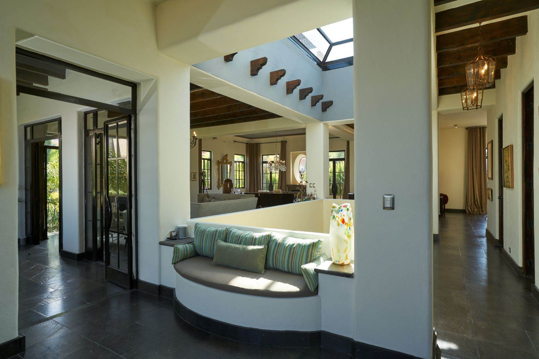 11. Single Family Homes for Sale at Casa Shangri-La Moras 3 B San Miguel De Allende, Guanajuato 37700 Mexico