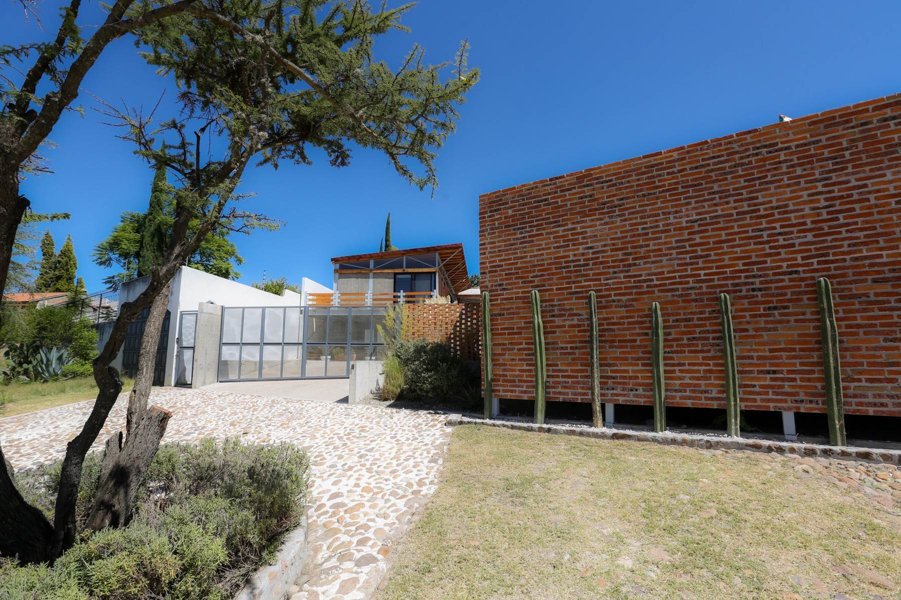 26. Single Family Homes for Sale at Casa Bicocca Calle Carreta 11 San Miguel De Allende, Guanajuato 37790 Mexico