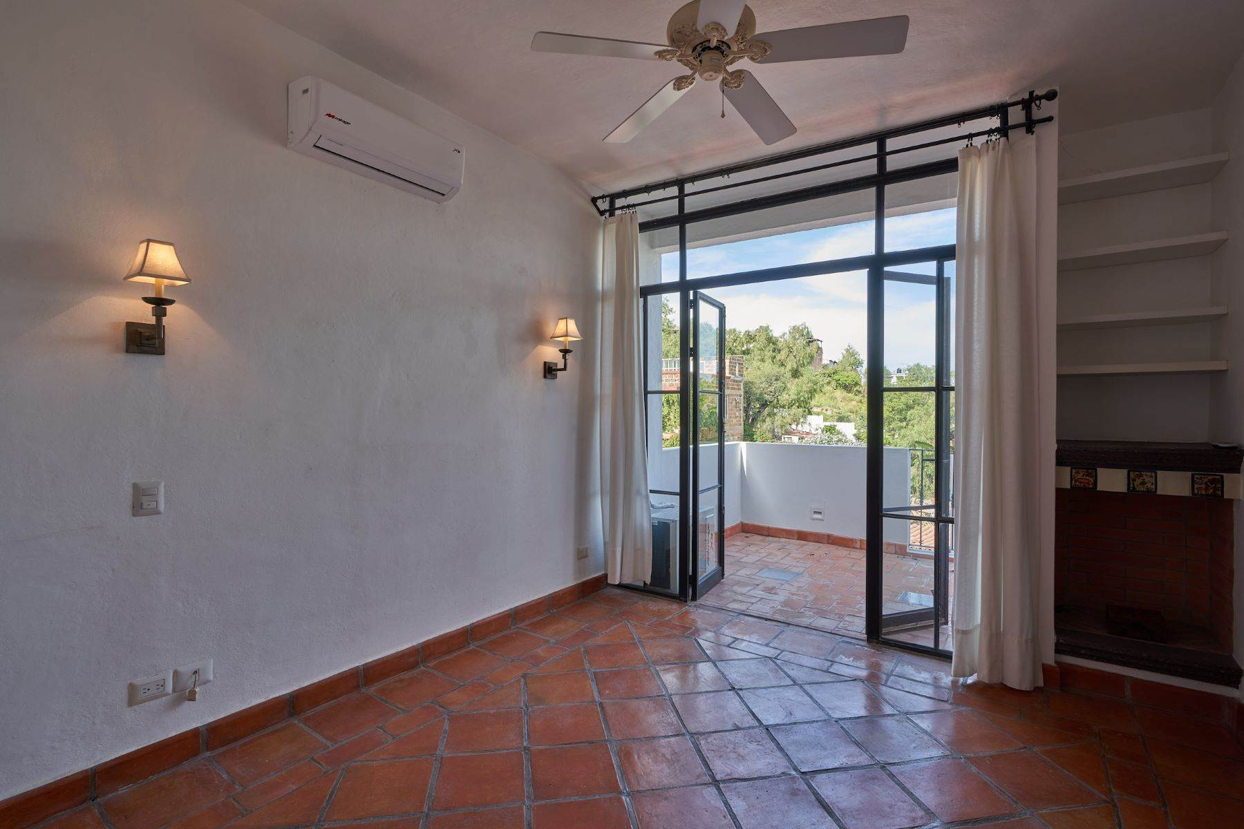 20. Single Family Homes for Sale at Casa Alameda San Miguel De Allende, Guanajuato 37750 Mexico
