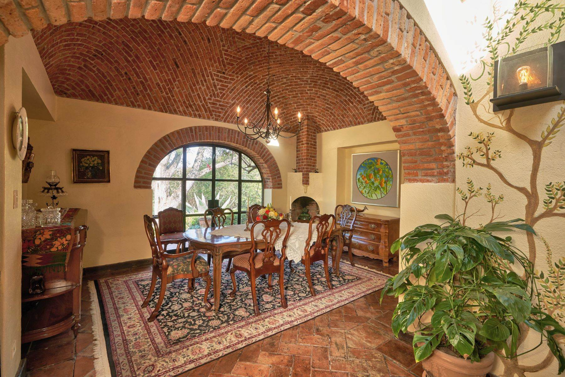 27. Single Family Homes for Sale at Casa de la Luz San Miguel De Allende, Guanajuato 37700 Mexico