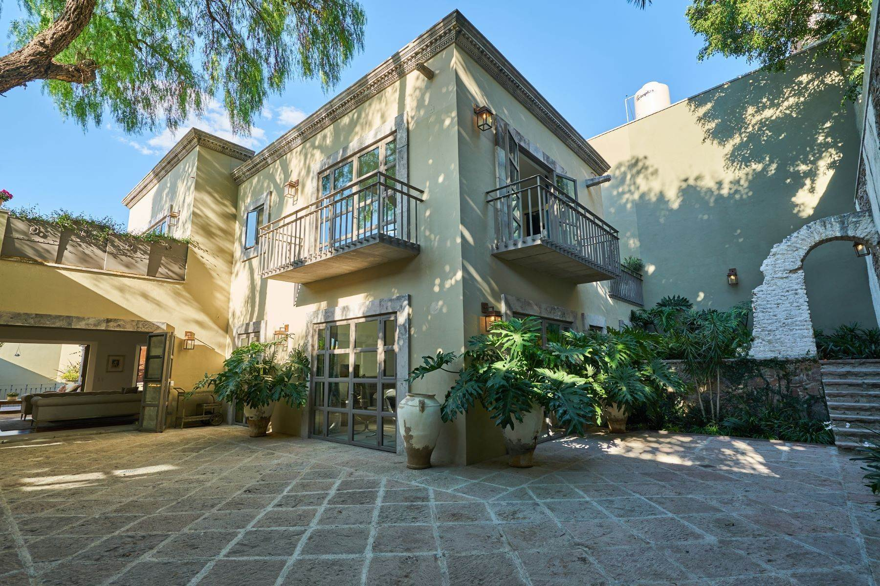16. Single Family Homes for Sale at Villa Sonoma Bajada de La Garita San Miguel De Allende, Guanajuato 37700 Mexico