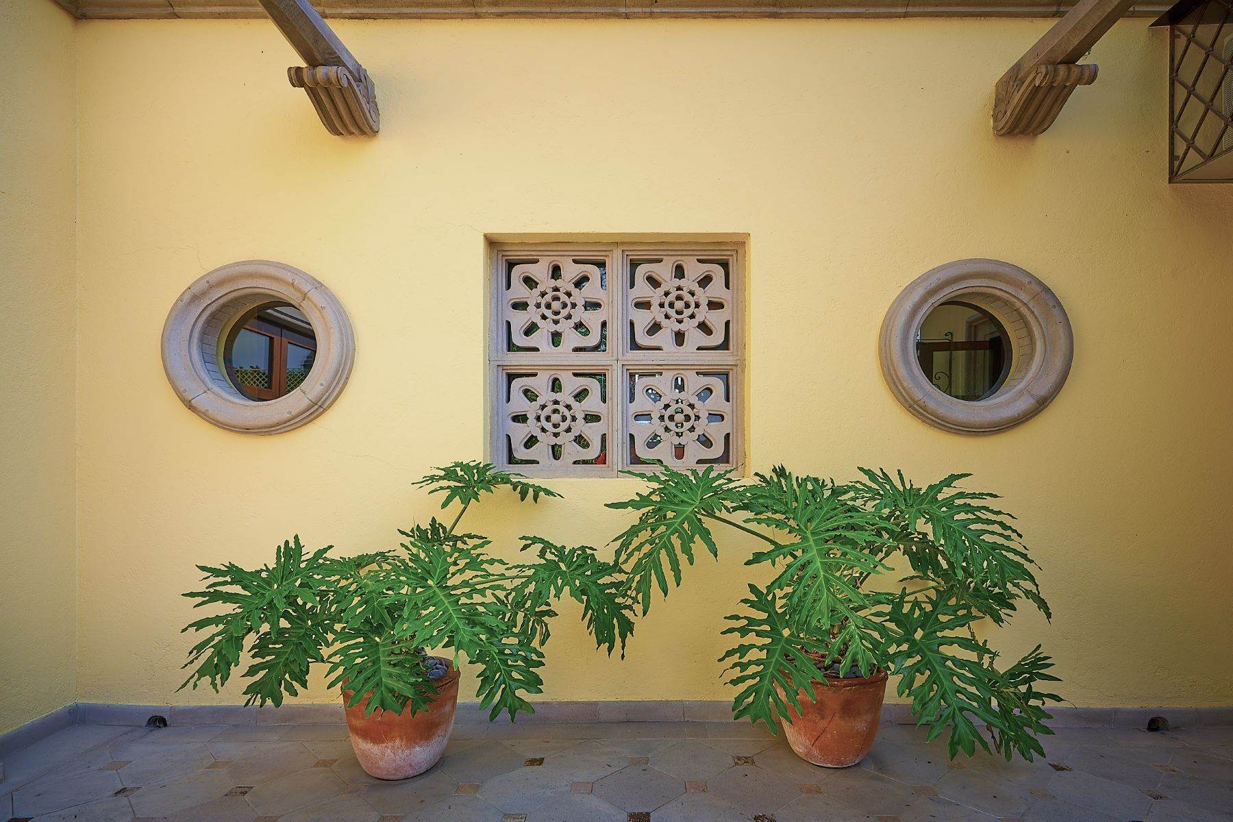 29. Single Family Homes for Sale at Casa Ixchel Privada de Pila Seca 6 San Miguel De Allende, Guanajuato 37700 Mexico