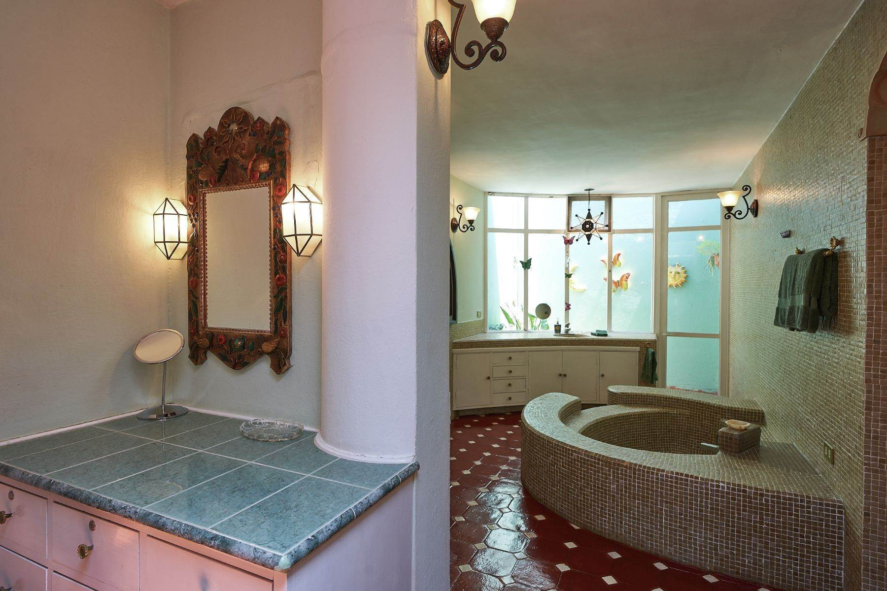19. Single Family Homes for Sale at Faroles 10 San Miguel De Allende, Guanajuato 37740 Mexico