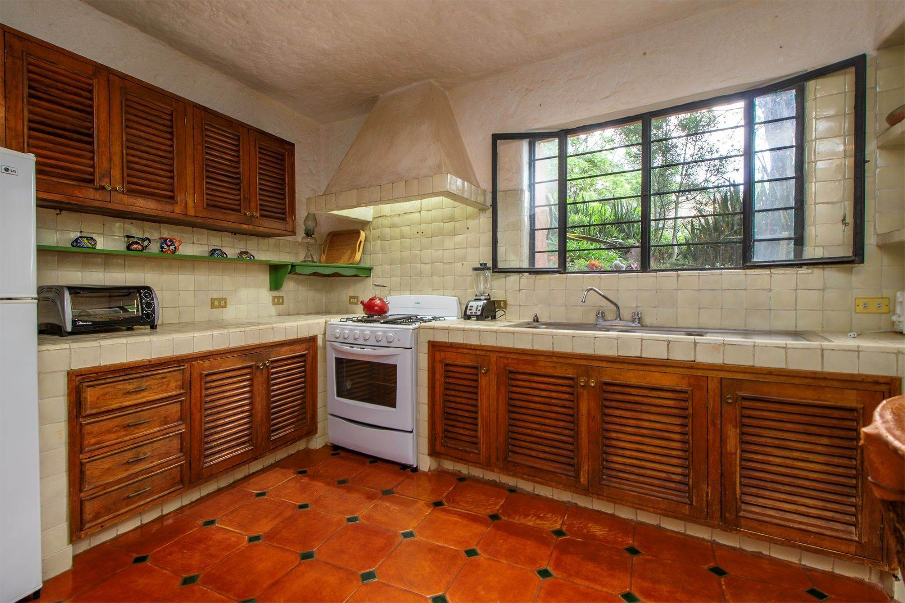28. Single Family Homes for Sale at Casa Vistas Piedras Chinas San Miguel De Allende, Guanajuato 37700 Mexico