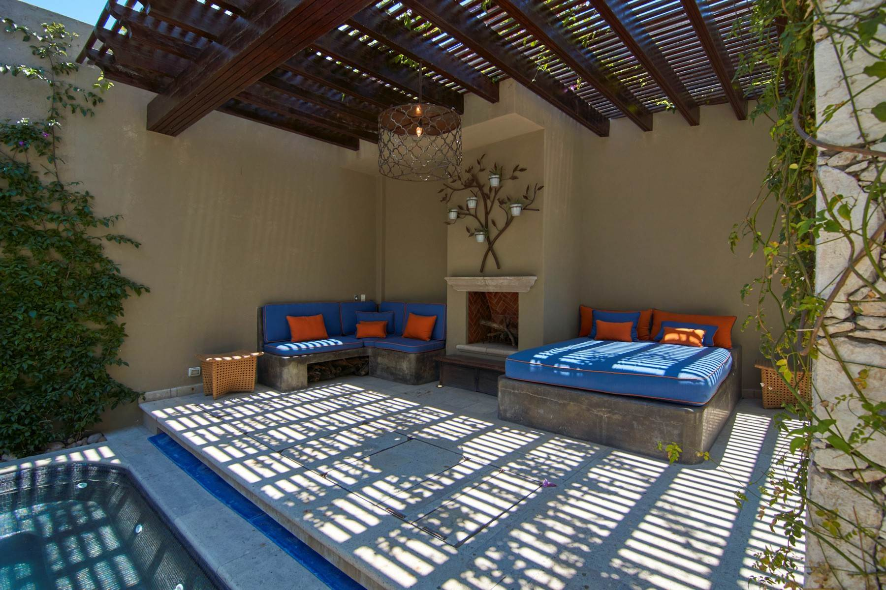 32. Single Family Homes for Sale at Casa Shangri-La Moras 3 B San Miguel De Allende, Guanajuato 37700 Mexico