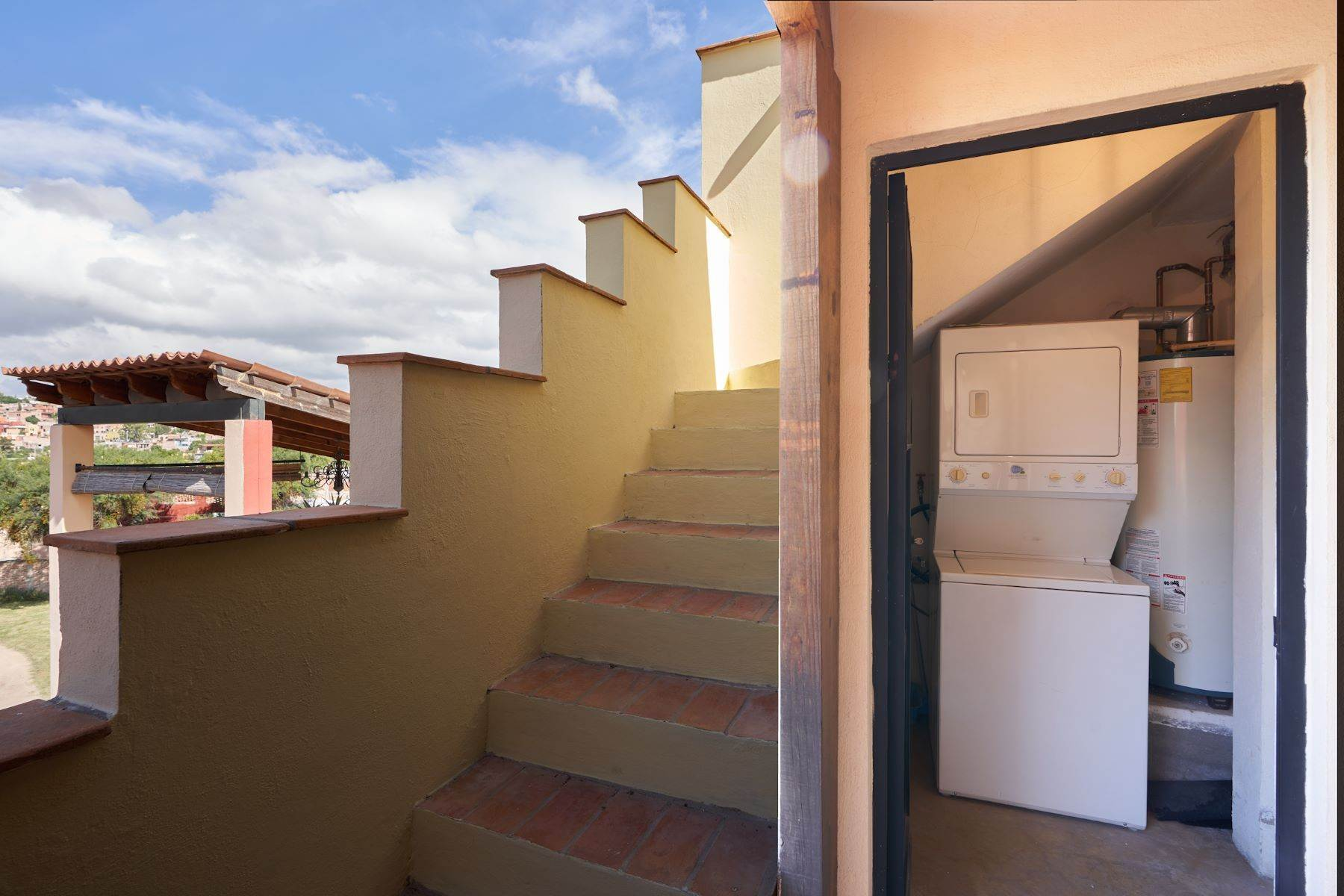 31. Single Family Homes for Sale at Casa Alameda San Miguel De Allende, Guanajuato 37750 Mexico