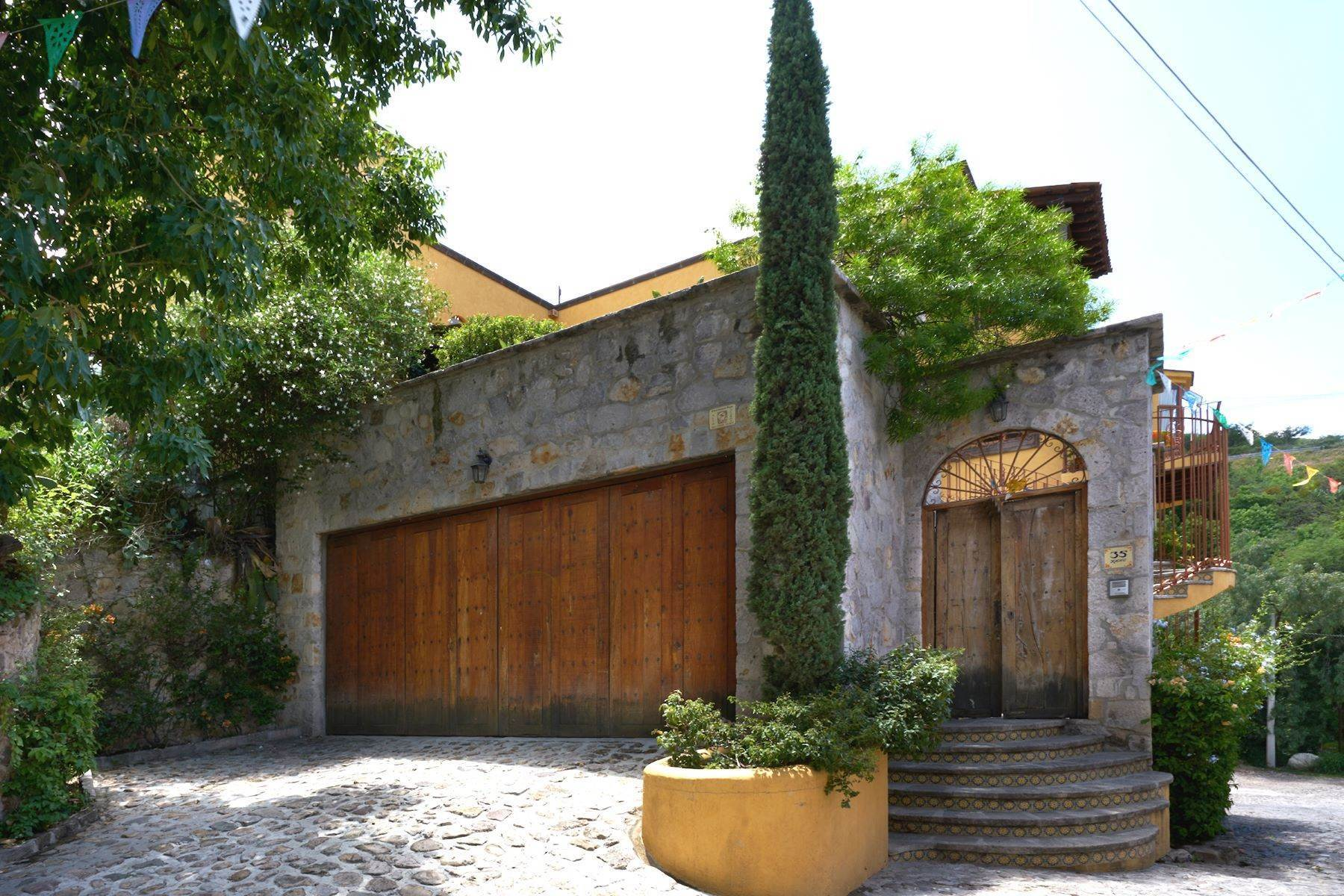 3. Single Family Homes for Sale at Casa Celeste Camino Real a Xichu #35 San Miguel De Allende, Guanajuato 37777 Mexico