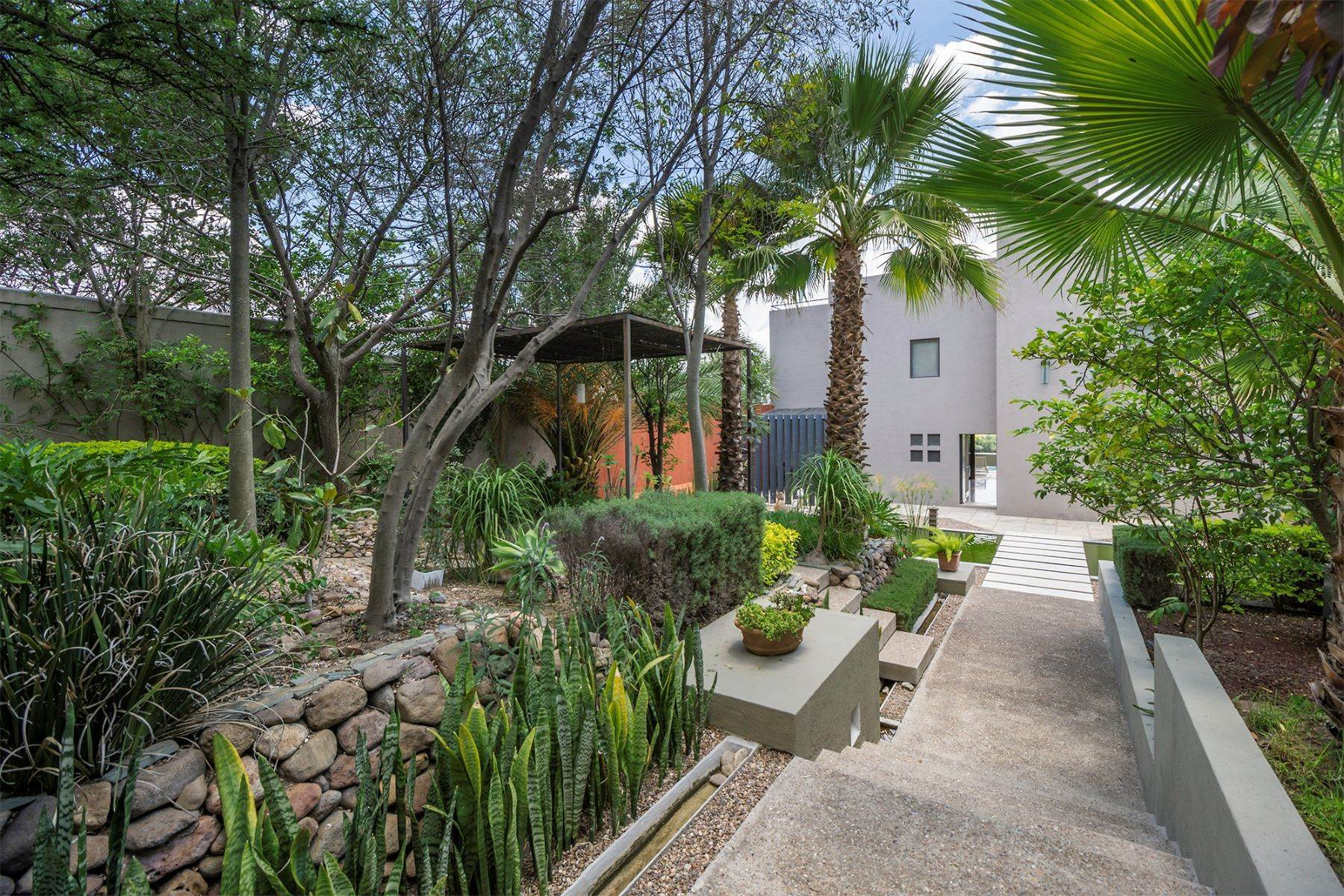 8. Single Family Homes for Sale at Casa Cieneguita Eco-Friendly Calle Hidalgo #56 San Miguel De Allende, Guanajuato 37893 Mexico