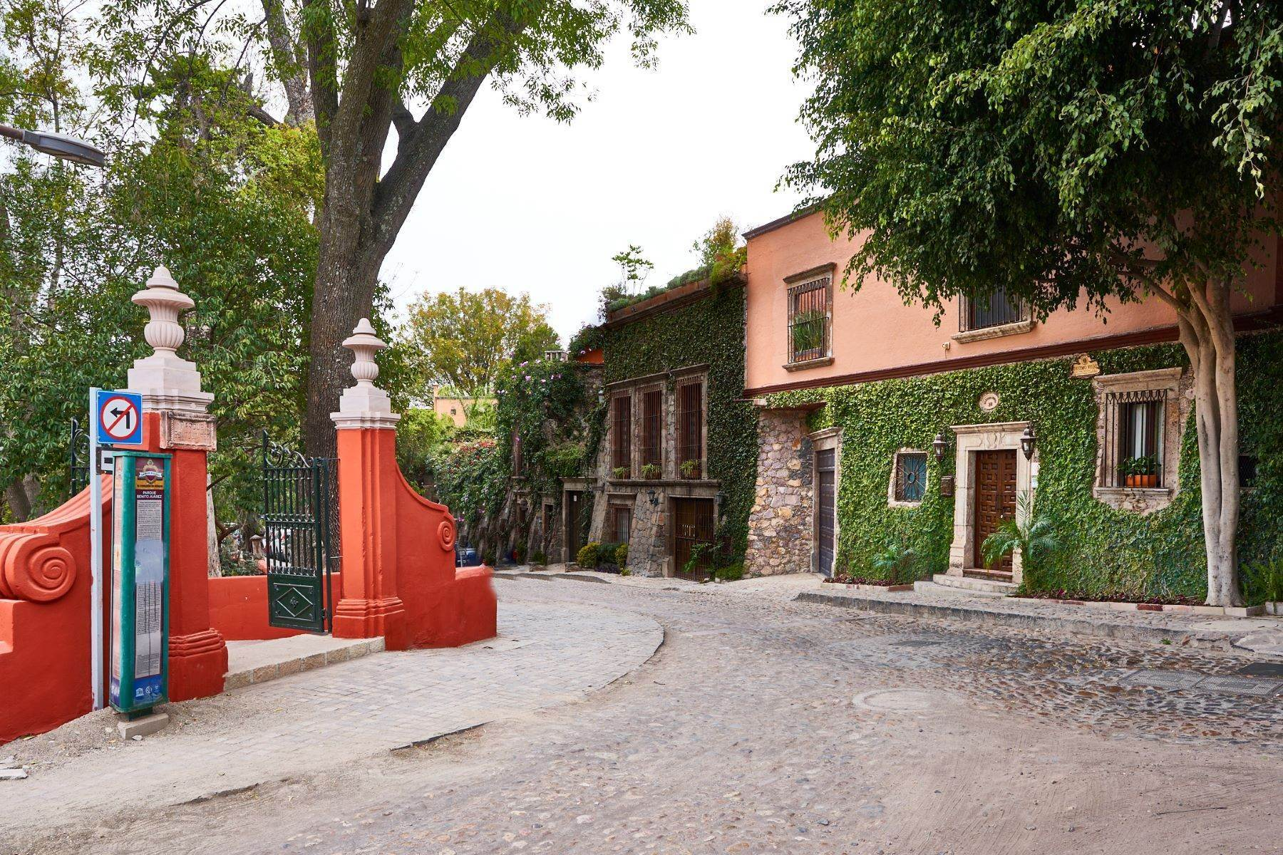 Single Family Homes for Sale at Diezmo Viejo 28 Diezmo Viejo San Miguel De Allende, Guanajuato 37700 Mexico