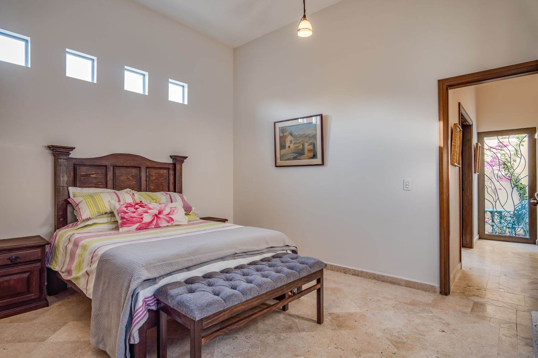 15. Single Family Homes for Sale at Guadalupe Condo Amado Nervo 8-A San Miguel De Allende, Guanajuato 37710 Mexico