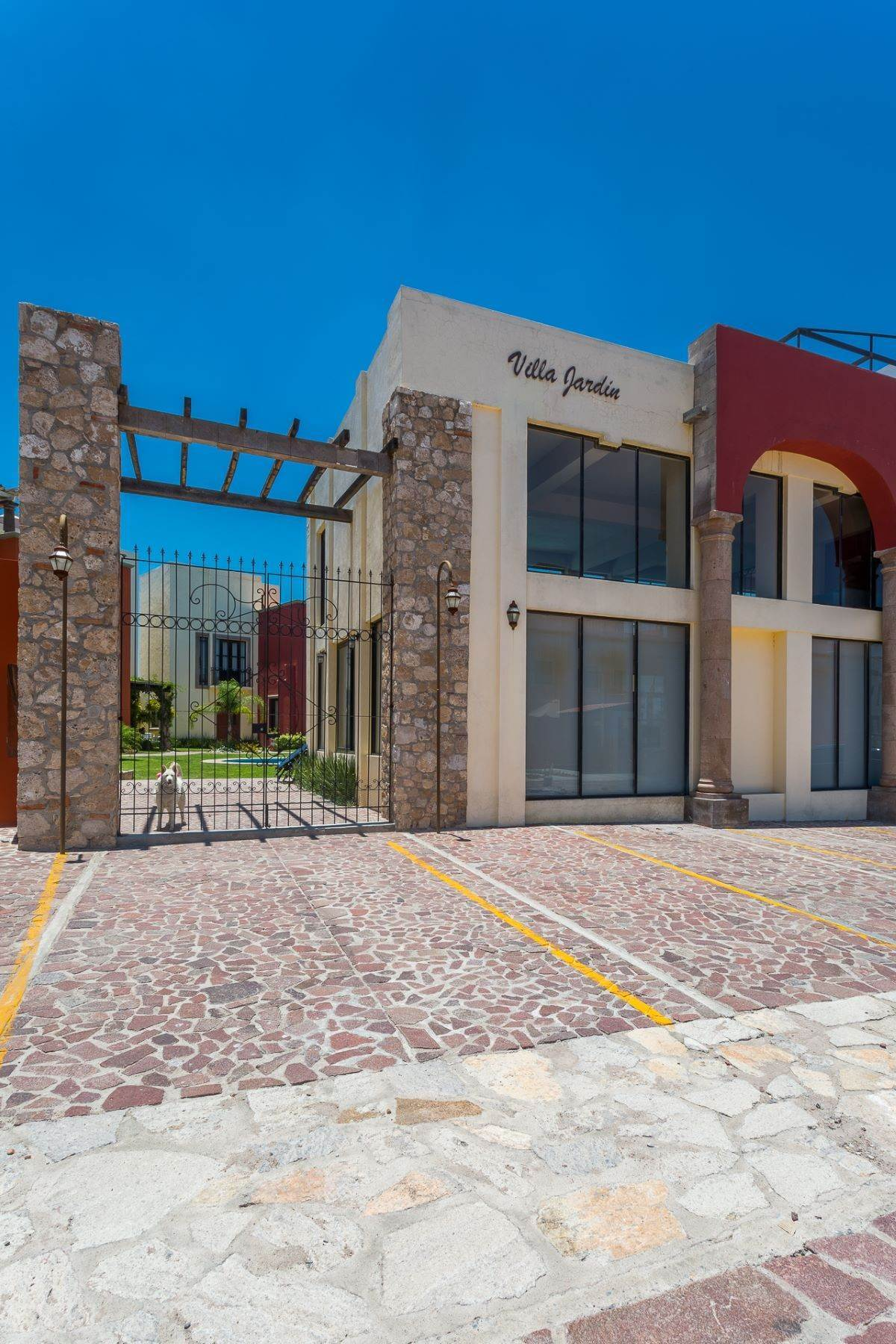48. Single Family Homes for Sale at Villa Jardín Camino Norte, El Capricho San Miguel De Allende, Guanajuato 37700 Mexico