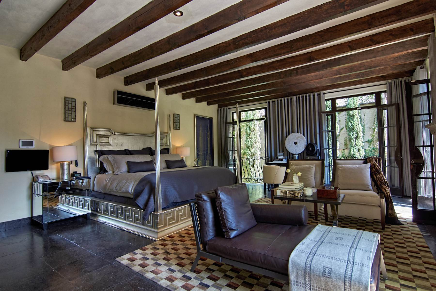 15. Single Family Homes for Sale at Casa Shangri-La Moras 3 B San Miguel De Allende, Guanajuato 37700 Mexico