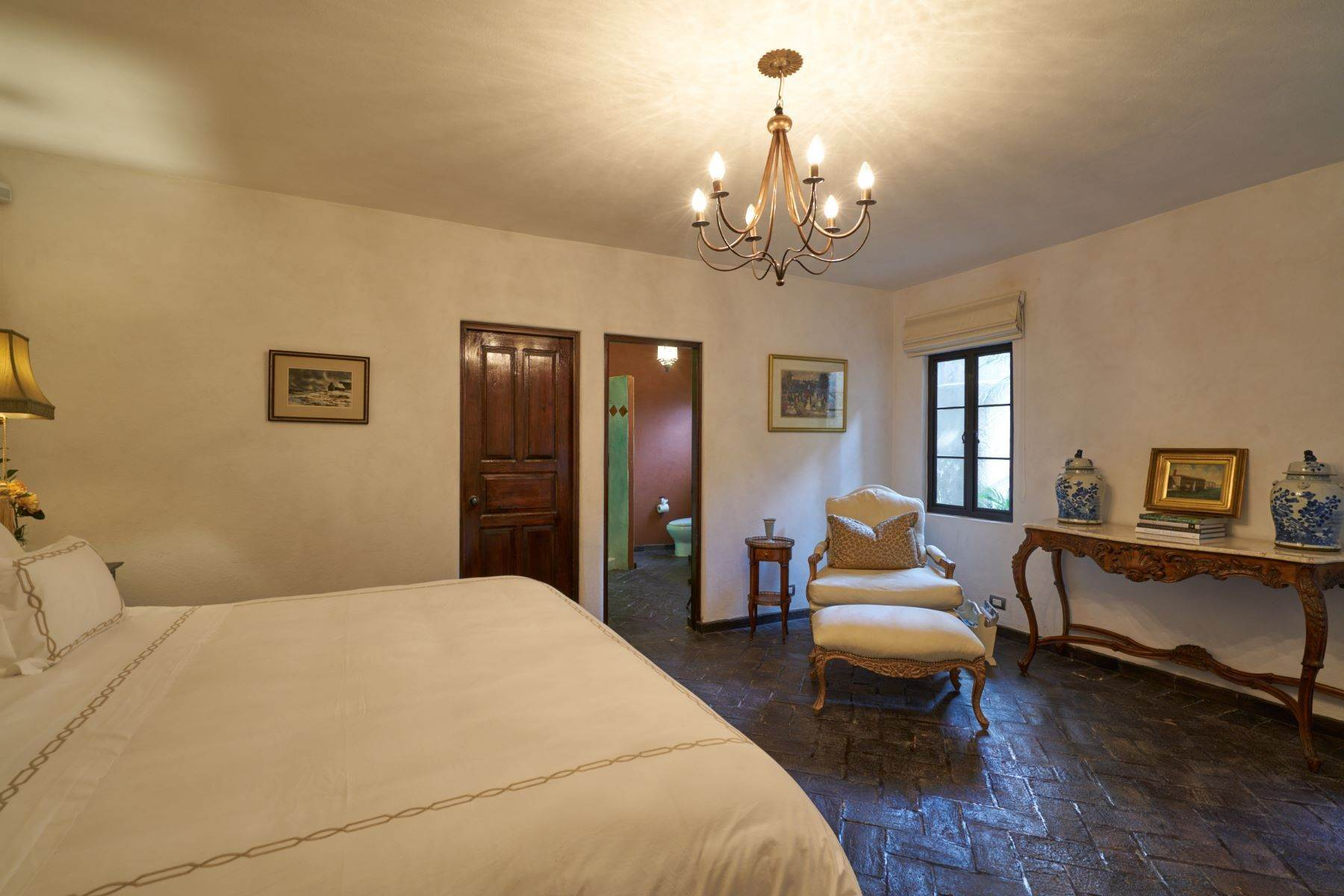 27. Single Family Homes for Sale at Casa Shangri-La Moras 3 B San Miguel De Allende, Guanajuato 37700 Mexico