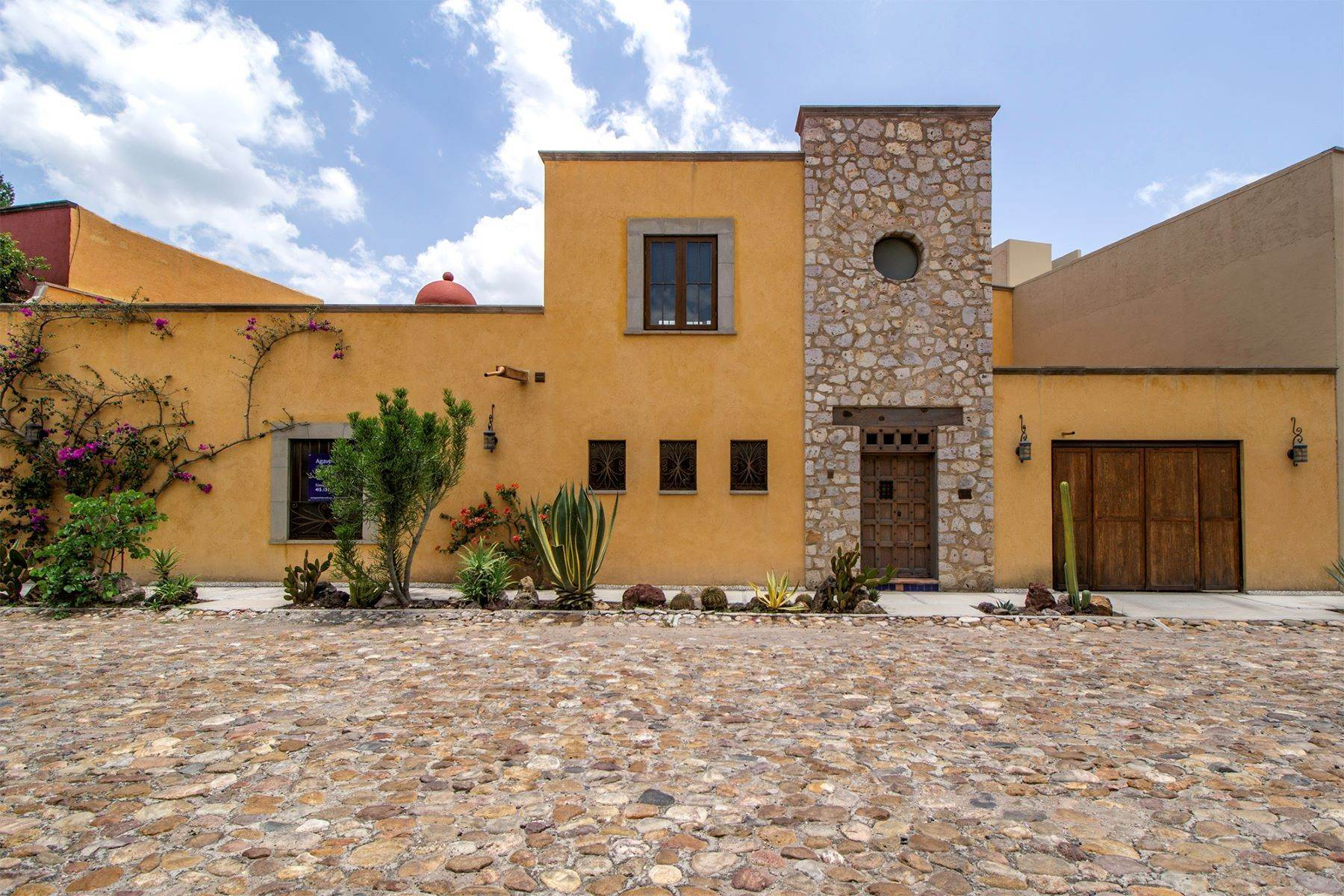 Single Family Homes for Sale at Casa San Miguel San Miguel 11 San Miguel De Allende, Guanajuato 37774 Mexico