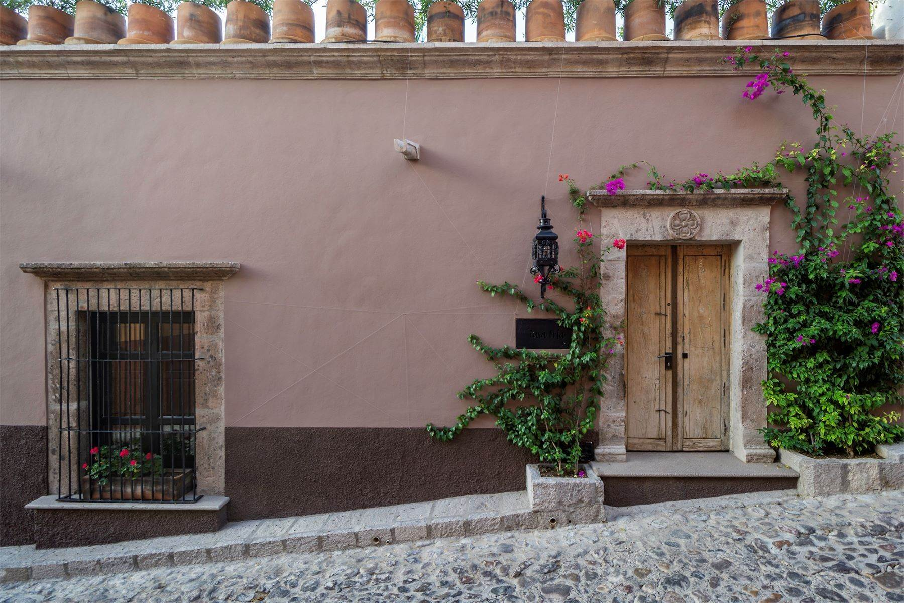 Single Family Homes for Sale at Casa Mila Garita 2 San Miguel De Allende, Guanajuato 37700 Mexico
