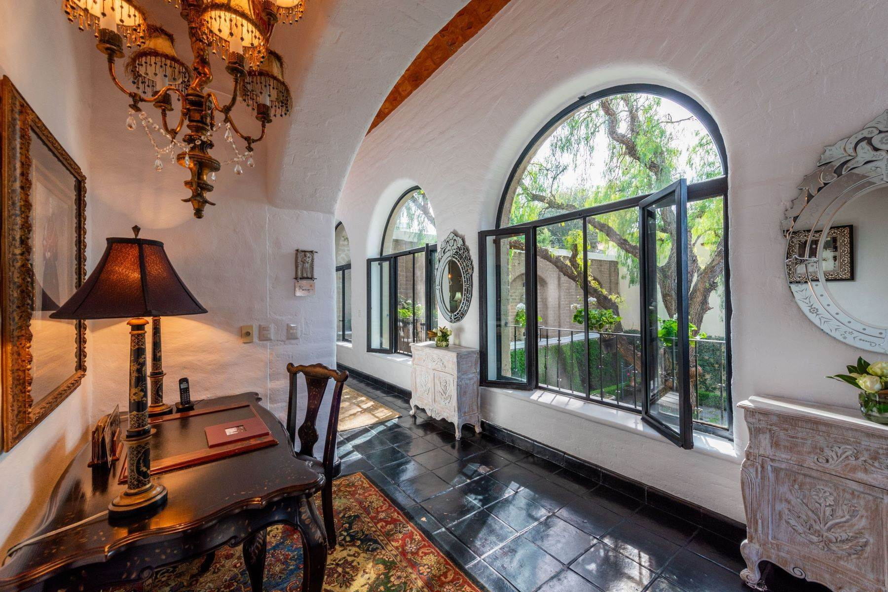 9. Single Family Homes for Sale at Casa Mi Besito Atascadero, San Miguel De Allende, Guanajuato Mexico
