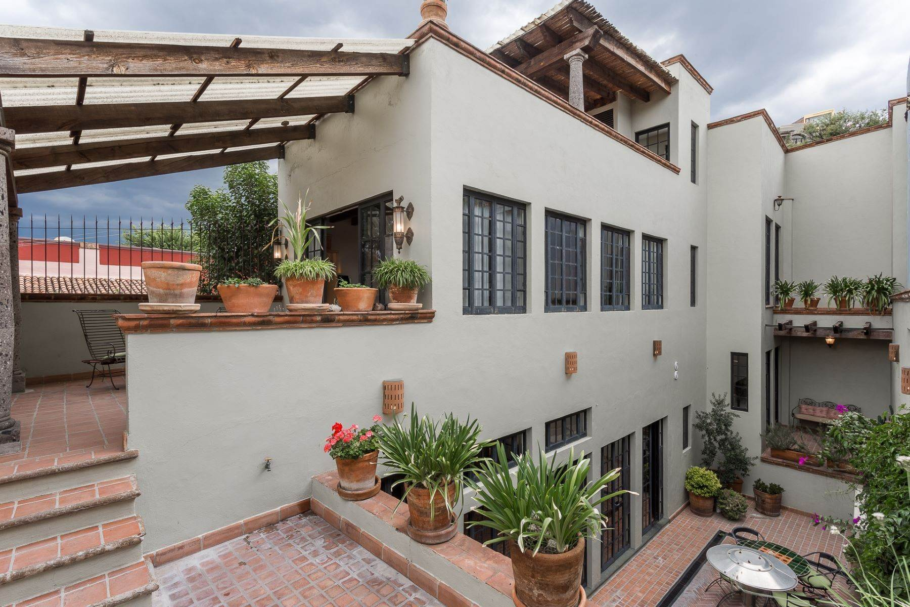 Single Family Homes for Sale at Casa Chepito Callejon de Chepito 2A San Miguel De Allende, Guanajuato 37700 Mexico