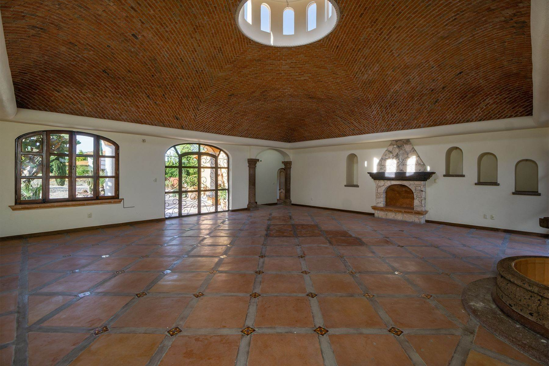 3. Single Family Homes for Sale at Casa Frida Los Labradores, San Miguel De Allende, Guanajuato Mexico