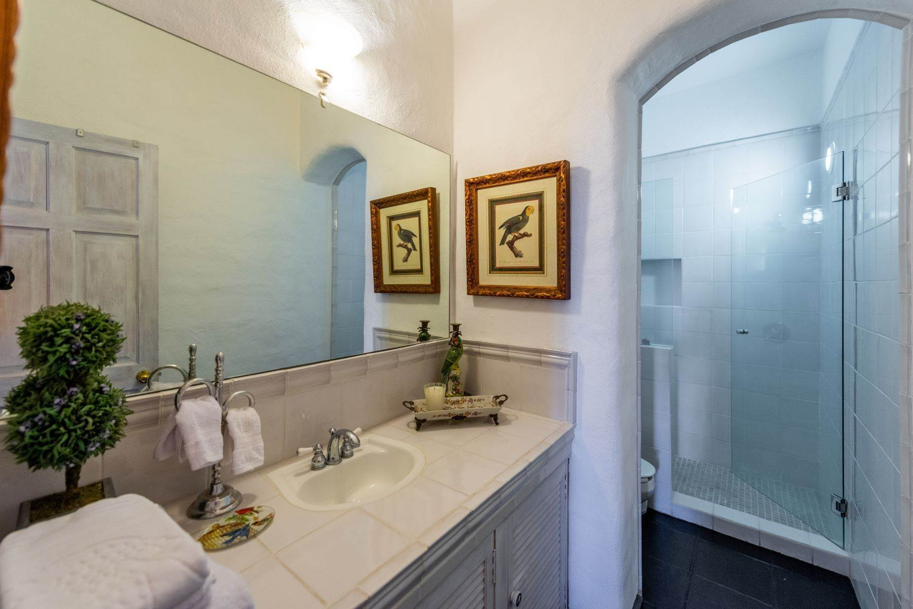 33. Single Family Homes for Sale at Casa Mi Besito Atascadero, San Miguel De Allende, Guanajuato Mexico