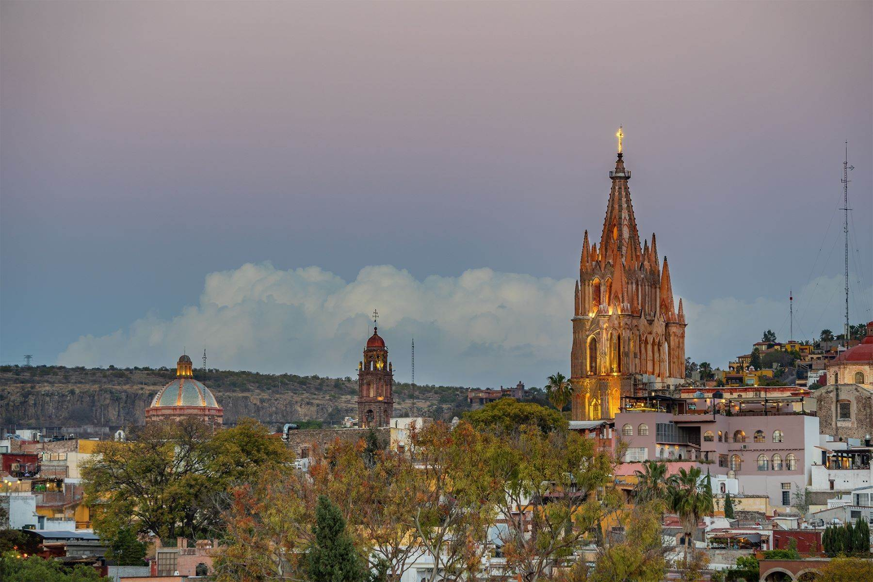 46. Single Family Homes for Sale at Casa William Gracia 9 San Miguel De Allende, Guanajuato 37700 Mexico