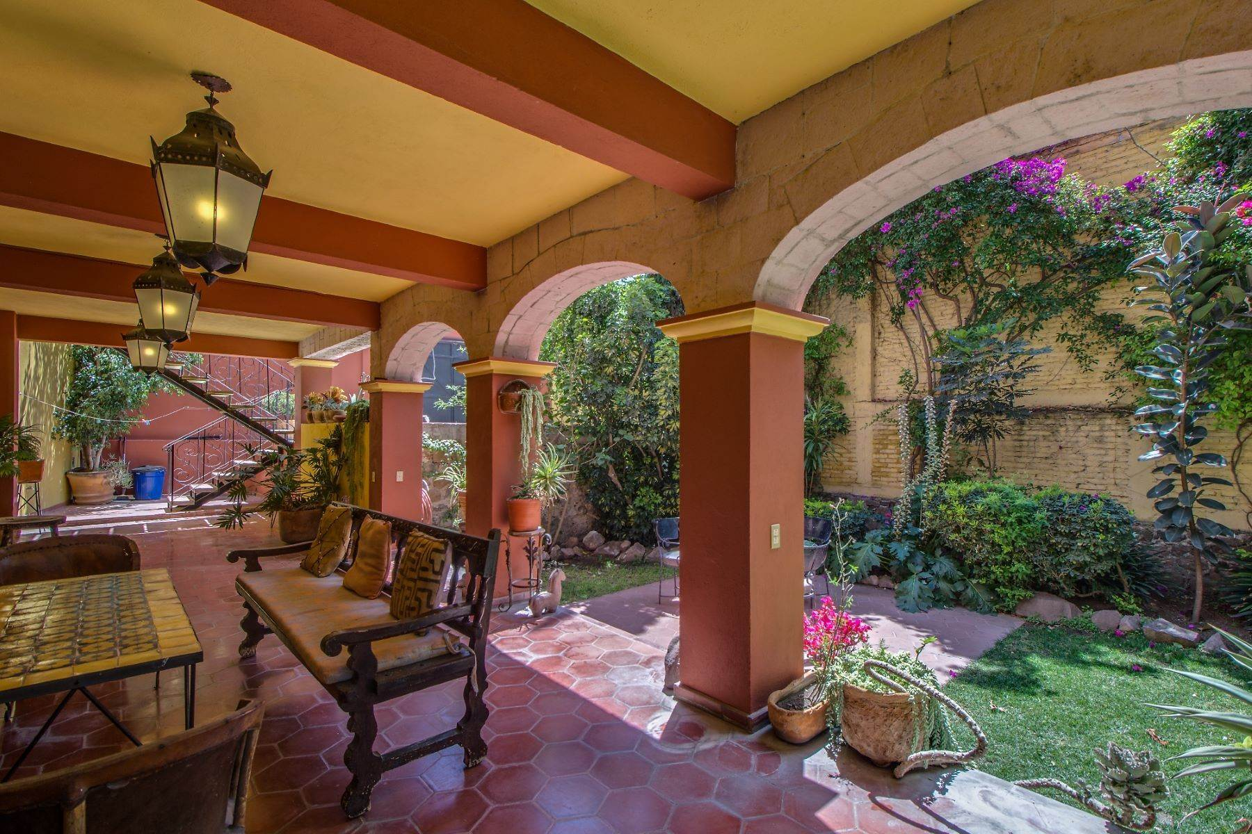 18. Single Family Homes for Sale at Casa Christina San Antonio, San Miguel De Allende, Guanajuato Mexico
