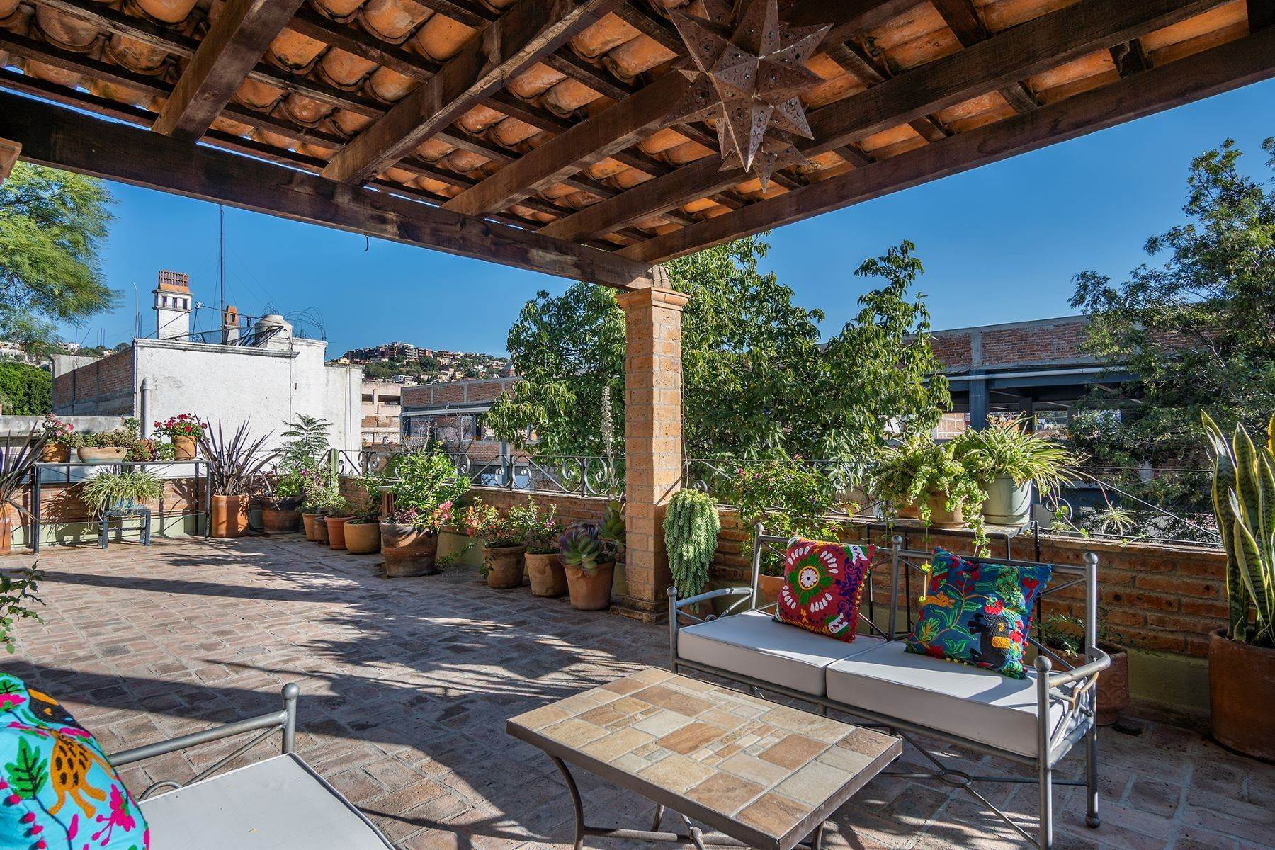 23. Single Family Homes for Sale at Casa Jacarandas Hernandez Macias San Miguel De Allende, Guanajuato 37700 Mexico