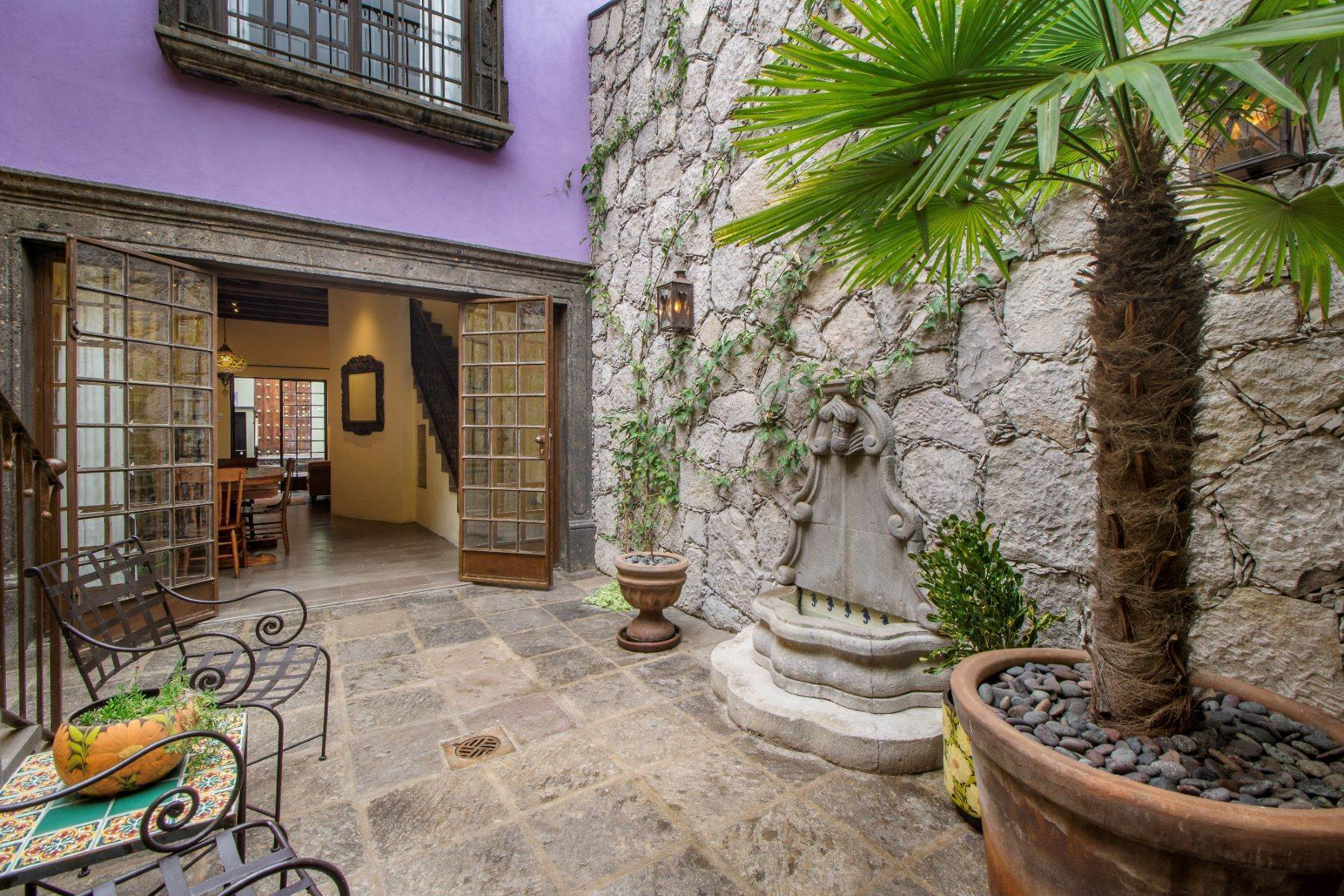 Single Family Homes for Sale at Homobono 16 Homobono, Centro Historico San Miguel De Allende, Guanajuato 37700 Mexico