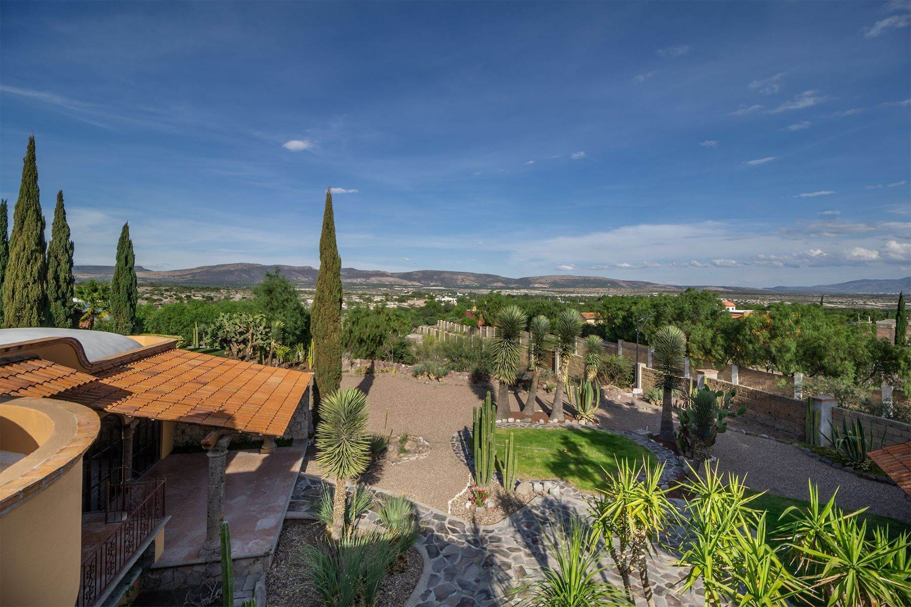 19. Single Family Homes for Sale at Casa Frida Los Labradores, San Miguel De Allende, Guanajuato Mexico