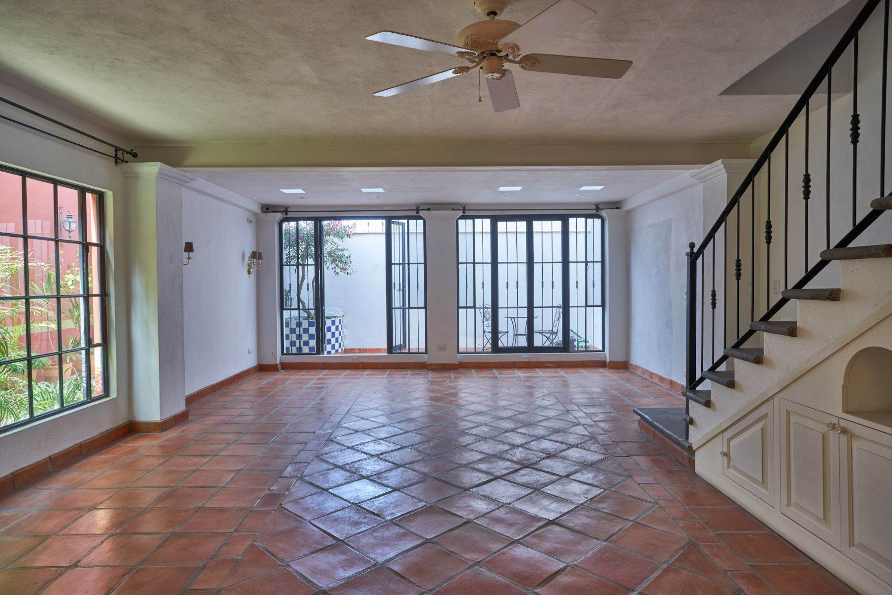 6. Single Family Homes for Sale at Casa Alameda San Miguel De Allende, Guanajuato 37750 Mexico