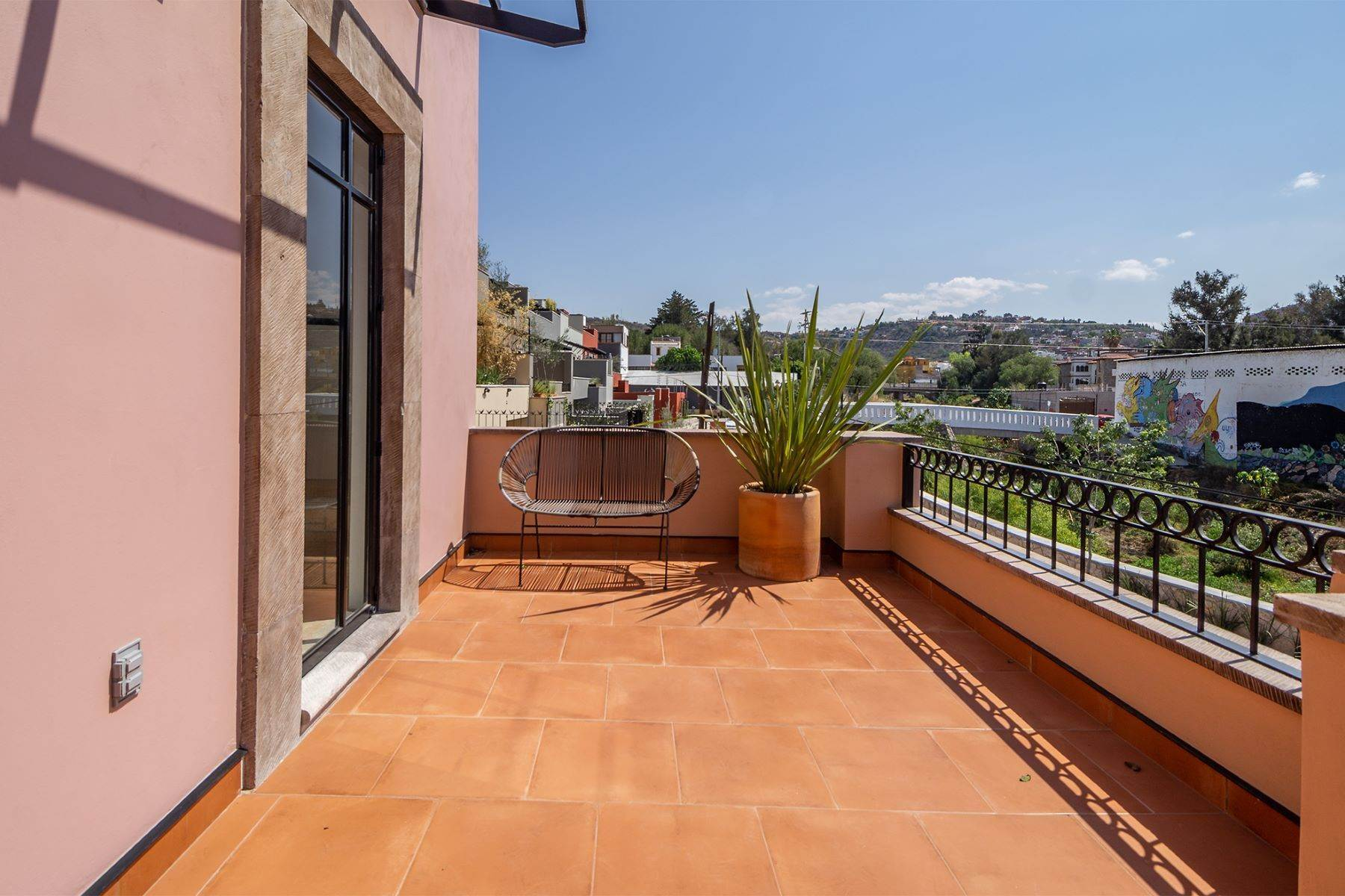 14. Single Family Homes for Sale at Aurora Twelve Guadalupe, San Miguel De Allende, Guanajuato Mexico