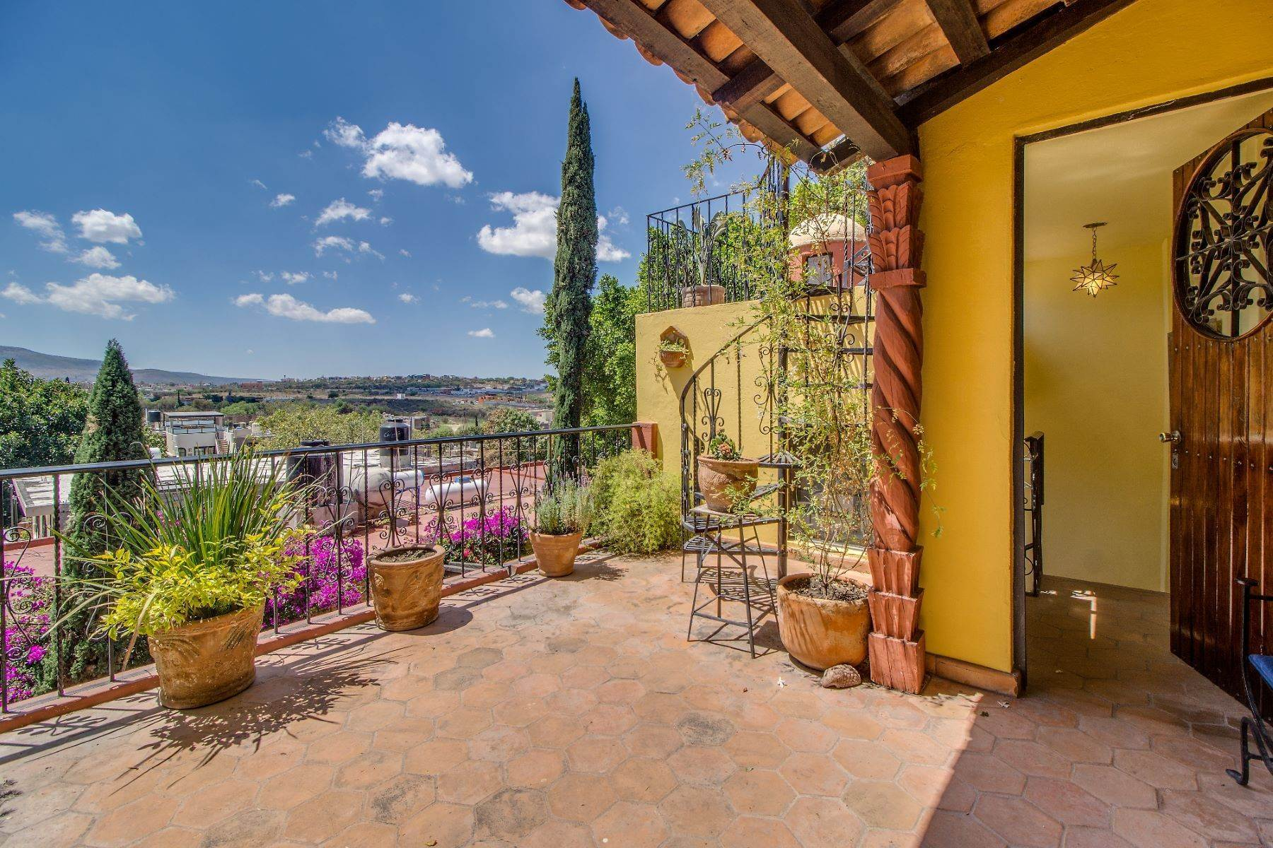 11. Single Family Homes for Sale at Casa Christina San Antonio, San Miguel De Allende, Guanajuato Mexico