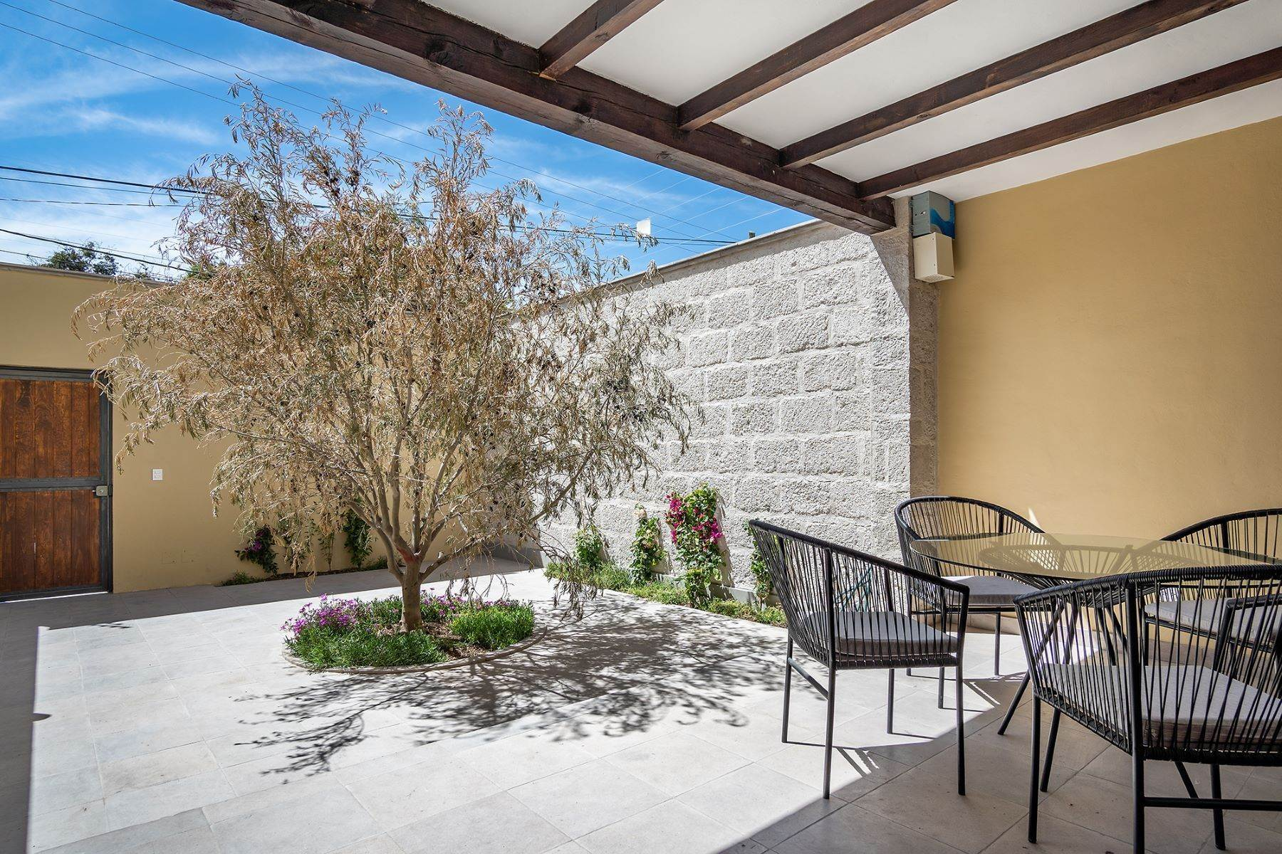 3. Single Family Homes for Sale at CASA DEL LLANO Barrio de la Palmita San Miguel De Allende, Guanajuato 37774 Mexico