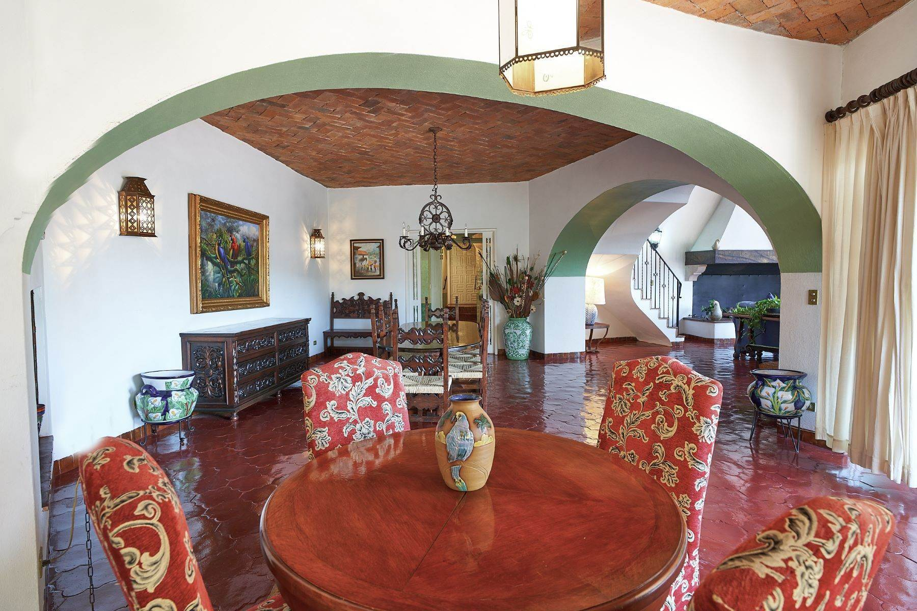 7. Single Family Homes for Sale at Faroles 10 San Miguel De Allende, Guanajuato 37740 Mexico