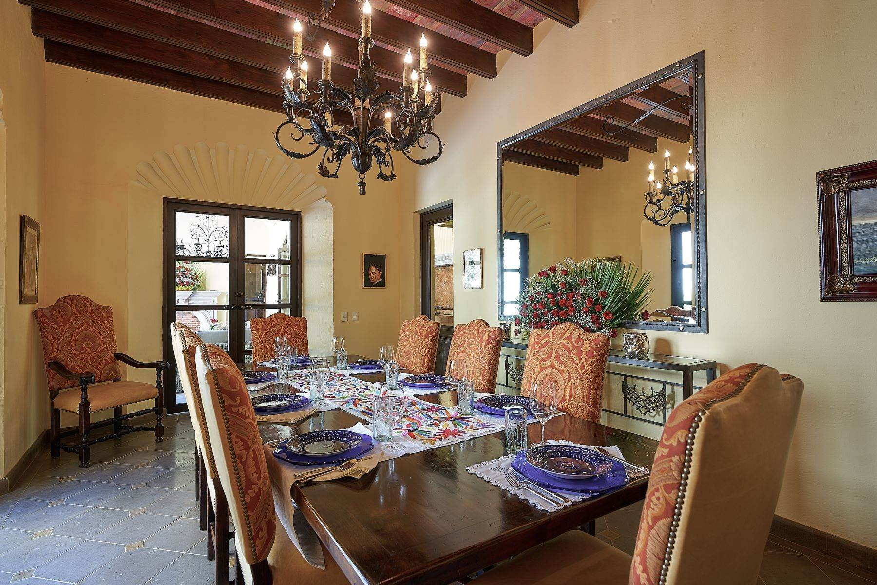 8. Single Family Homes for Sale at Casa Ixchel Privada de Pila Seca 6 San Miguel De Allende, Guanajuato 37700 Mexico