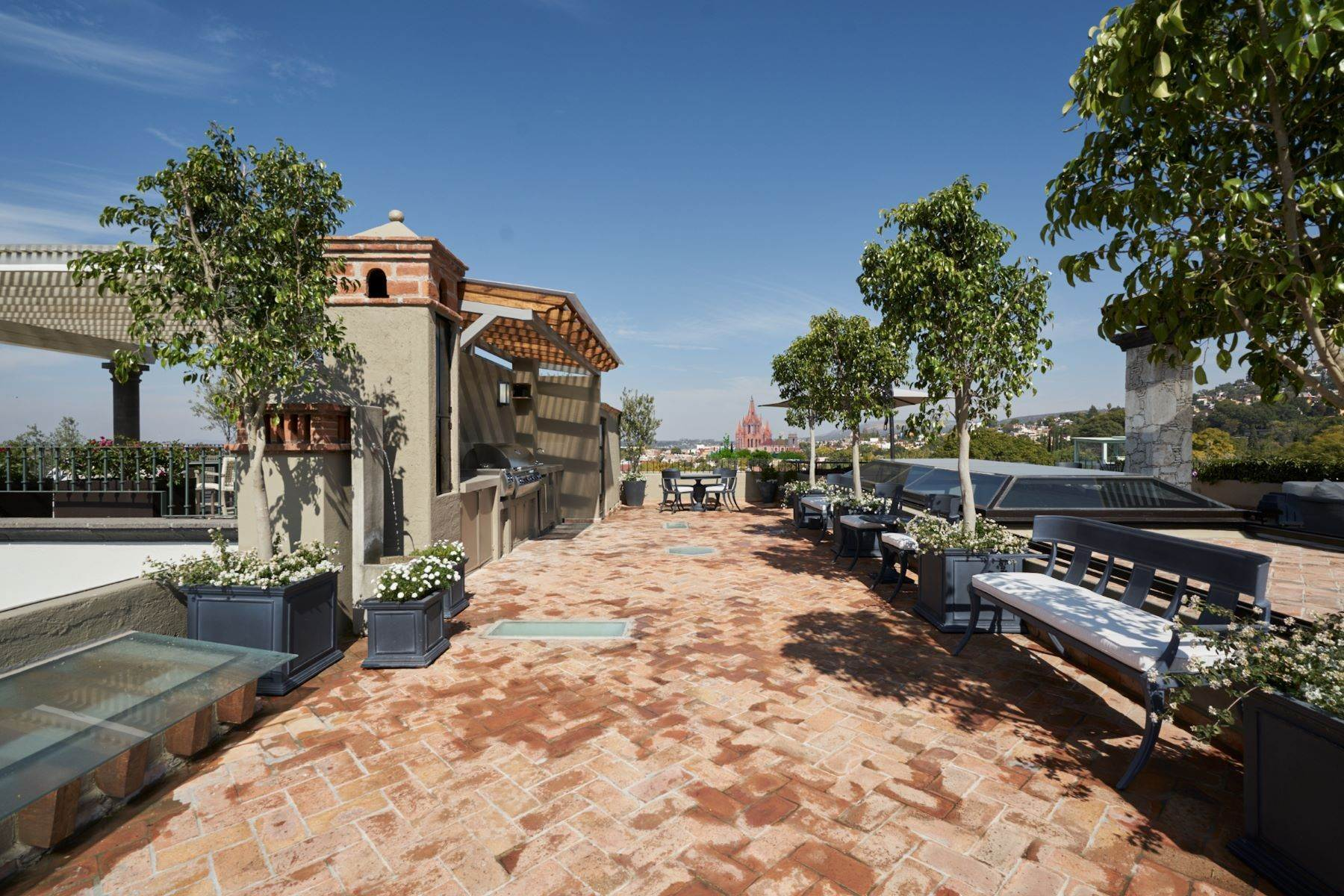 34. Single Family Homes for Sale at Casa Shangri-La Moras 3 B San Miguel De Allende, Guanajuato 37700 Mexico