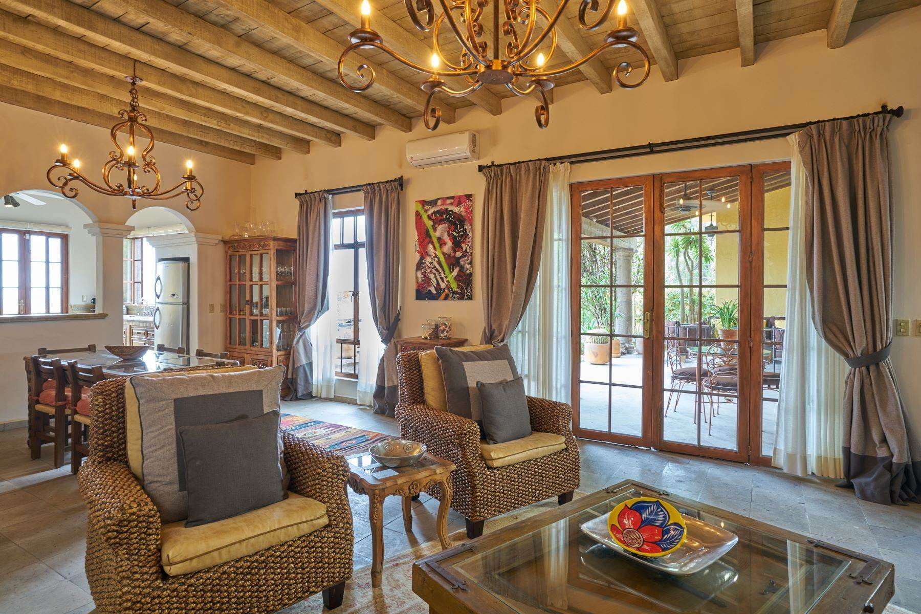 11. Single Family Homes for Sale at Casa Celeste Camino Real a Xichu #35 San Miguel De Allende, Guanajuato 37777 Mexico