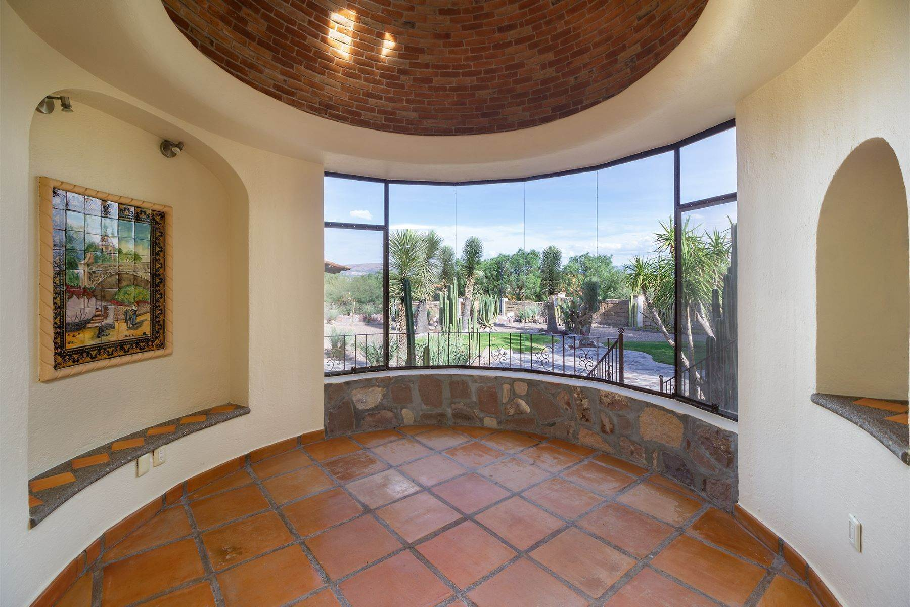 4. Single Family Homes for Sale at Casa Frida Los Labradores, San Miguel De Allende, Guanajuato Mexico