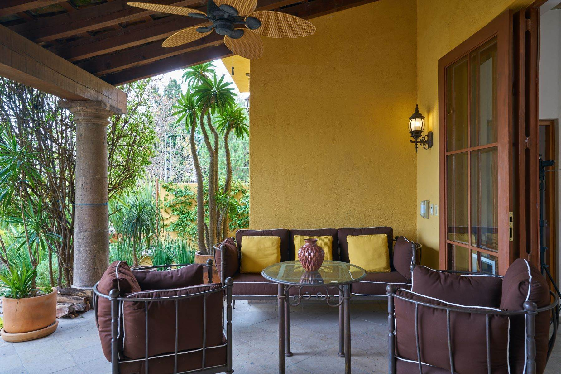 7. Single Family Homes for Sale at Casa Celeste Camino Real a Xichu #35 San Miguel De Allende, Guanajuato 37777 Mexico
