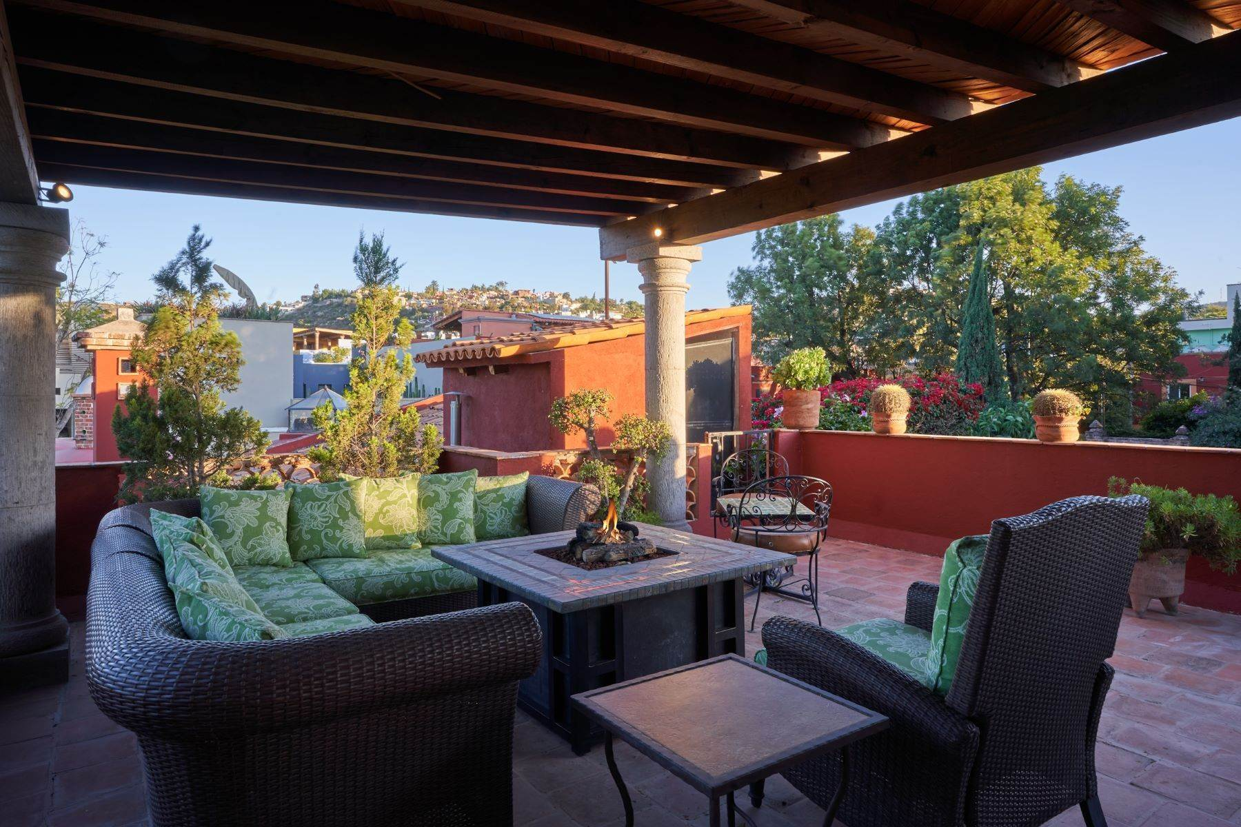 26. Single Family Homes for Sale at Casa de la Luz San Miguel De Allende, Guanajuato 37700 Mexico