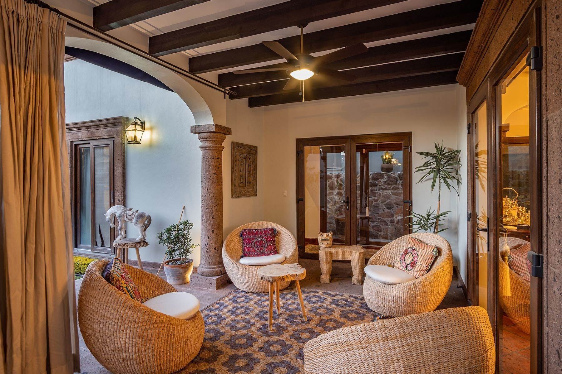 16. Single Family Homes for Sale at CASA GRANADA CASA LUNA San Miguel De Allende, Guanajuato 37797 Mexico